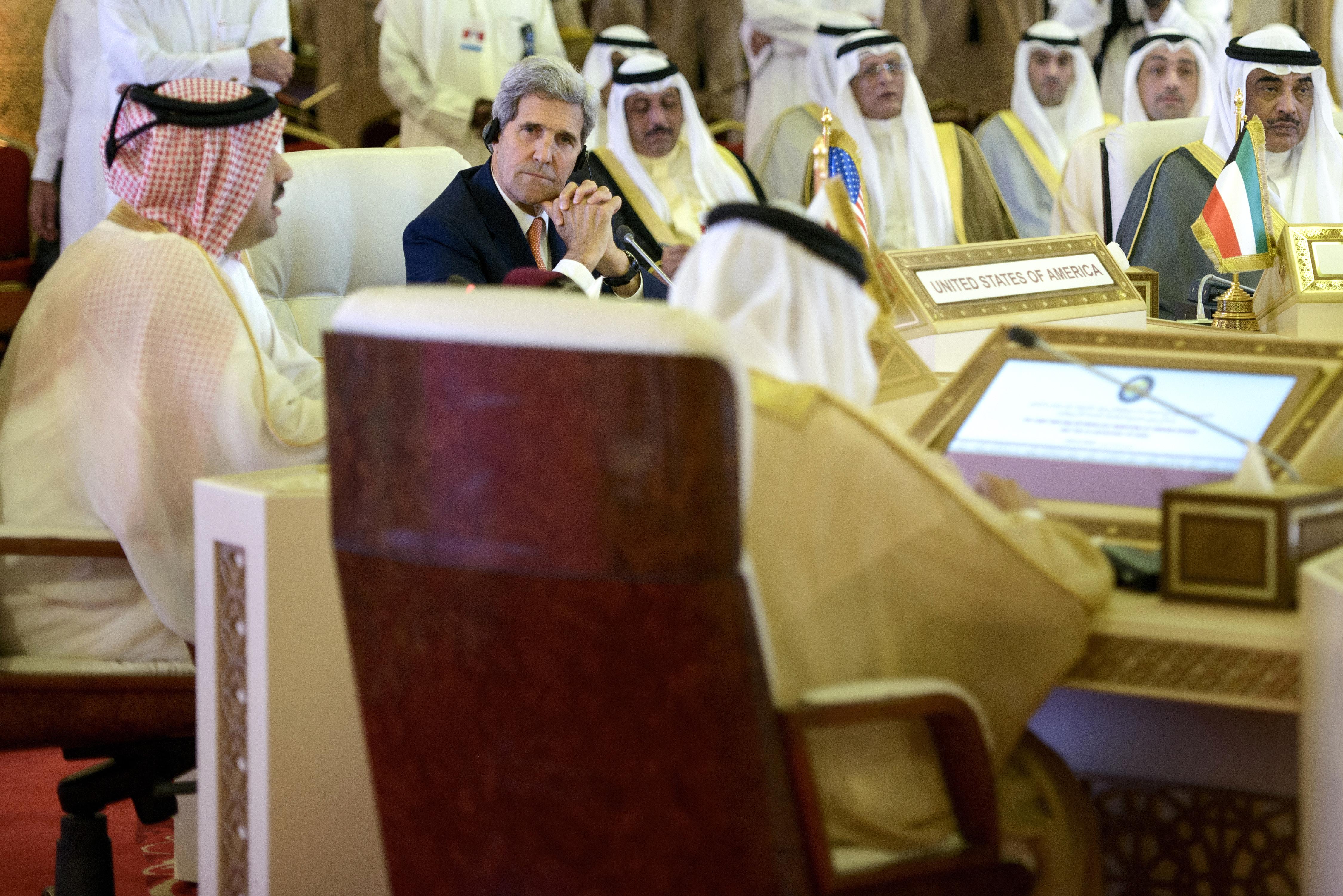 كيري خلال مشاركته في اجتماع لوزراء خارجية مجلس التعاون الخليجي- أرشيف