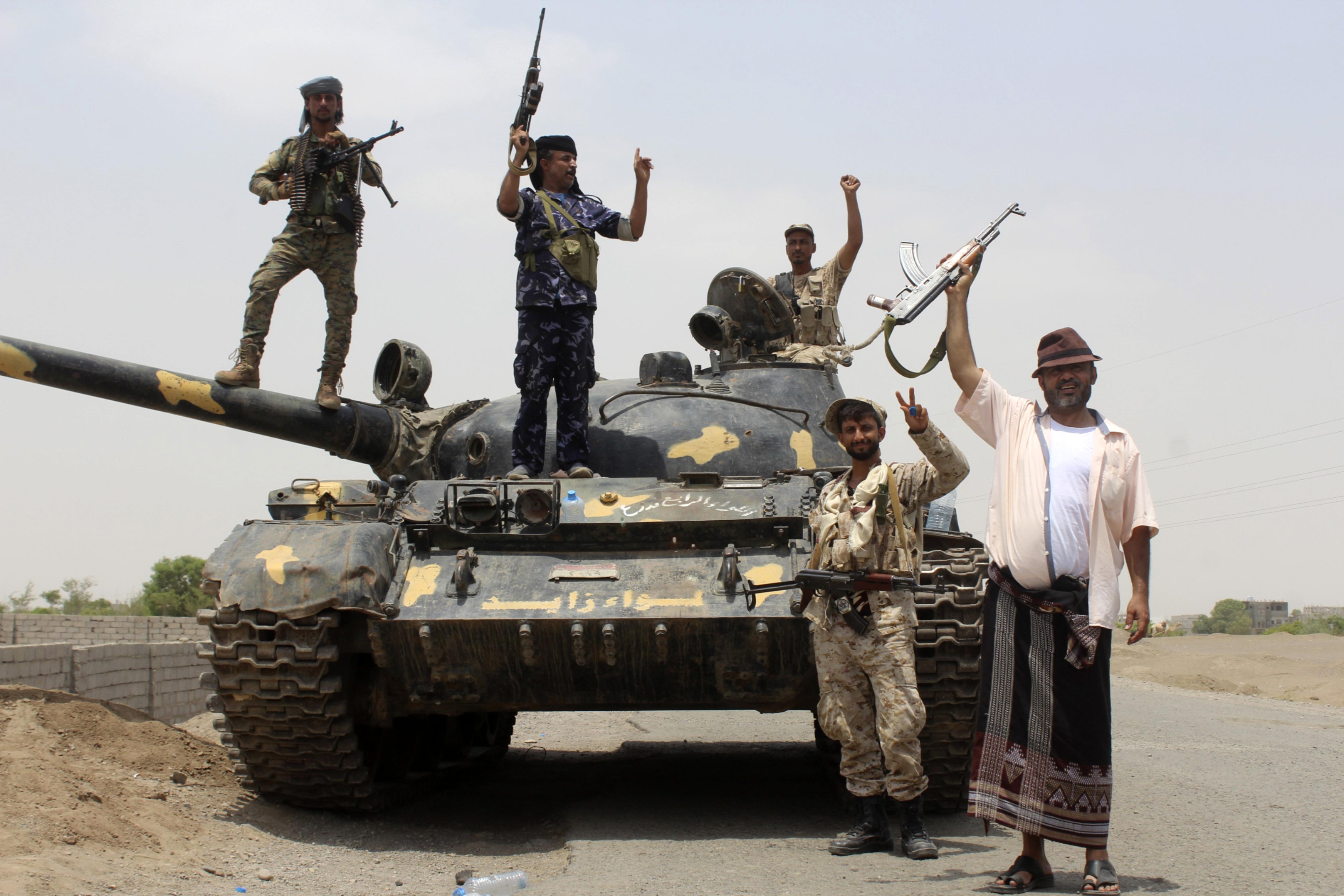 قوات تابعة للمجلس الانتقالي في ضواحي أبين