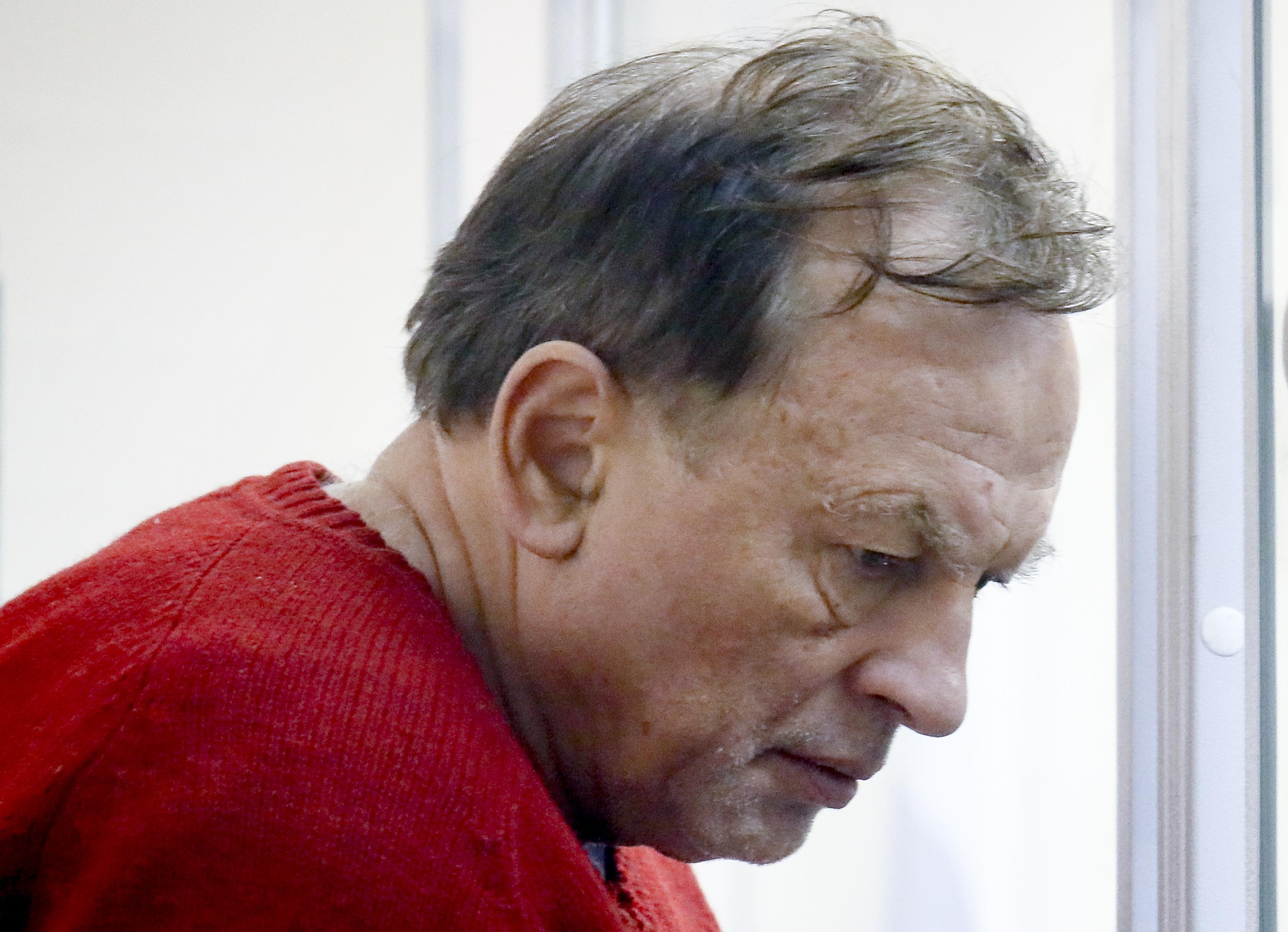 سوكولوف يجلس بانتظار محاكمته الاثنين