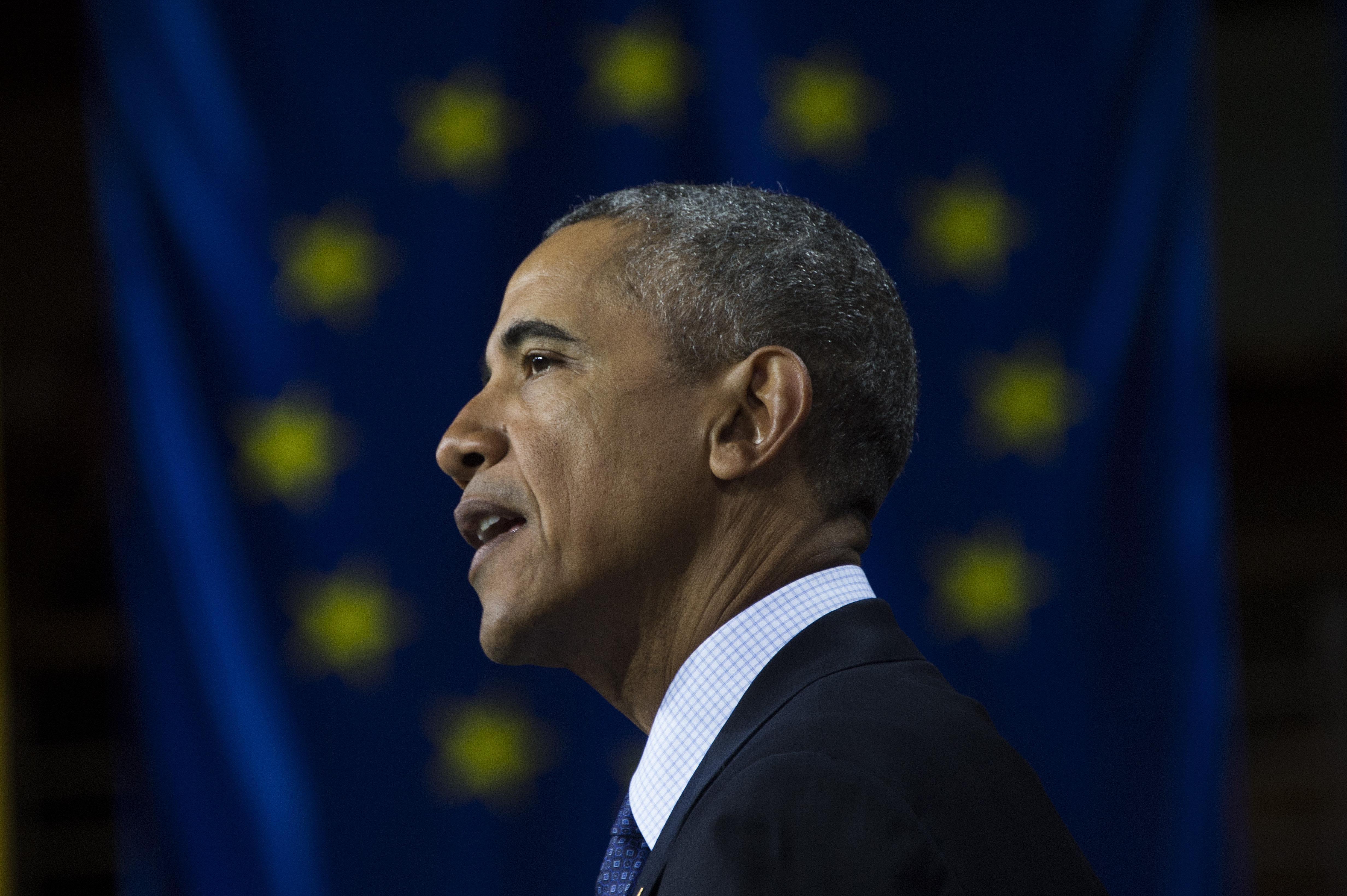 الرئيس أوباما خلال إلقاء كلمته في هانوفر