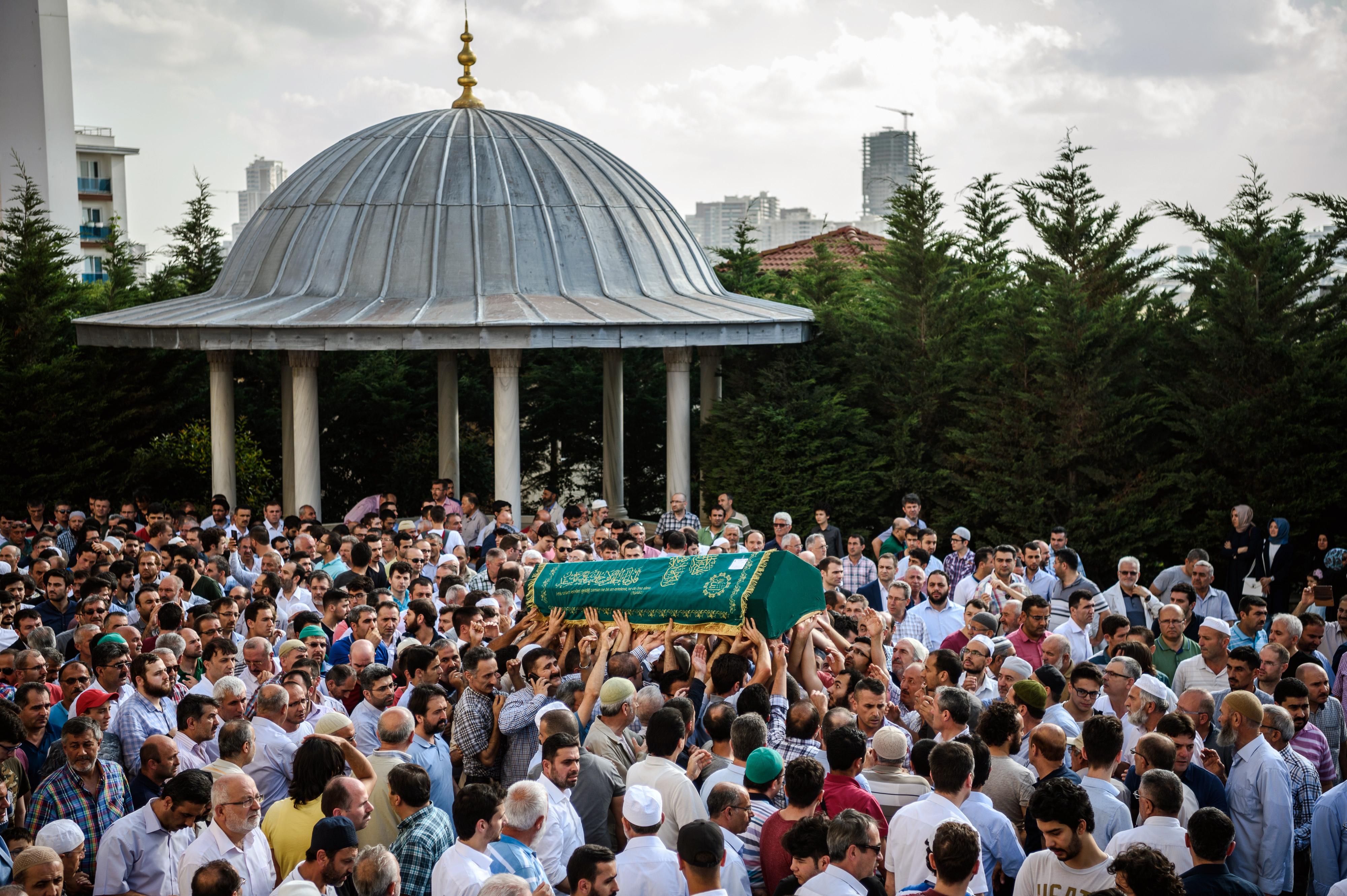 تشييع ضحايا اعتداء مطار أتاتورك