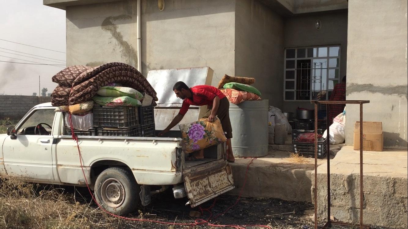 عائلة عائدة إلى منطقة الگوير التابعة لقضاء مخمور في نينوى