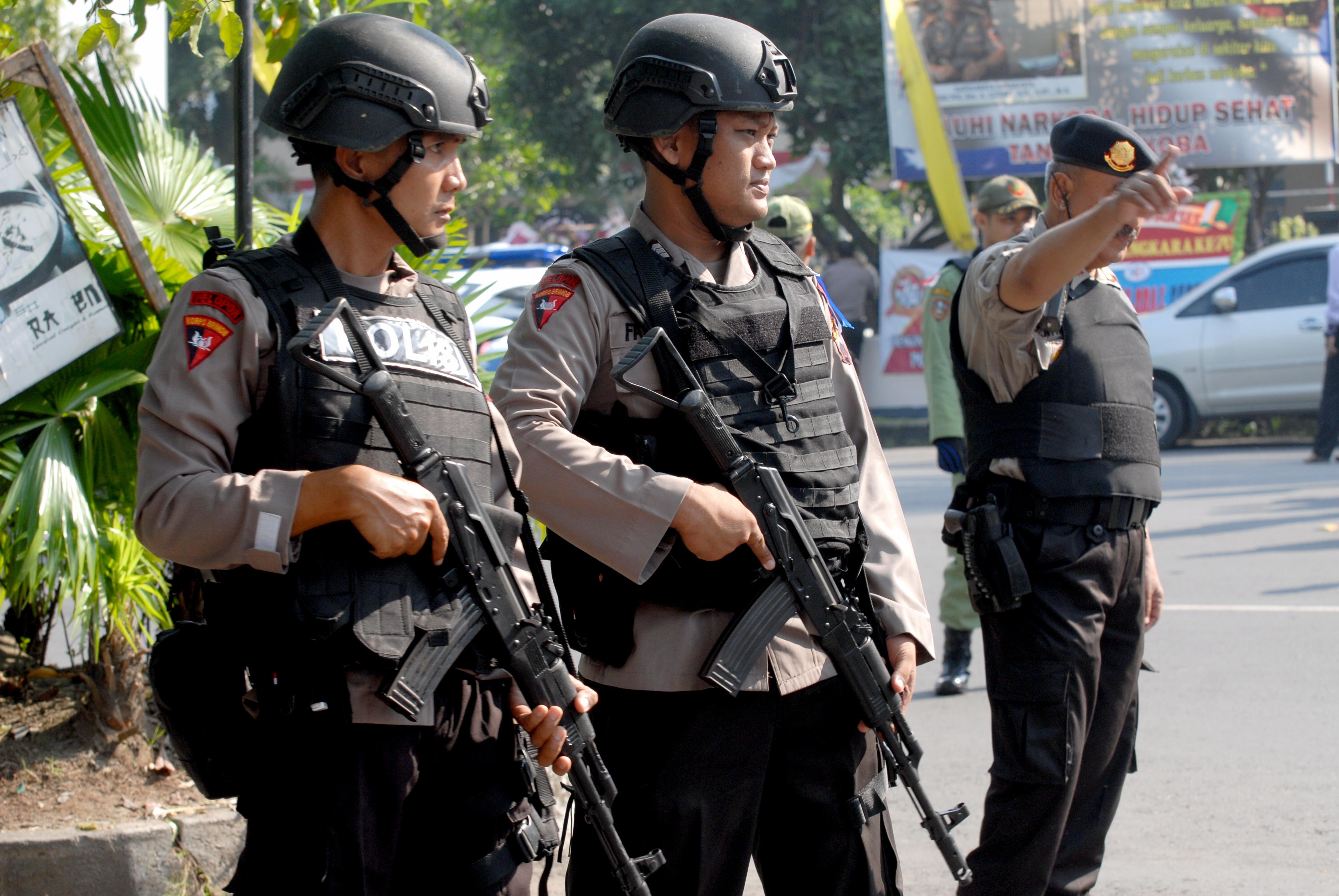 بايعا تنظيم داعش.. السجن لزوجين خططا لاغتيال وزير الأمن الإندونيسي   الحرة