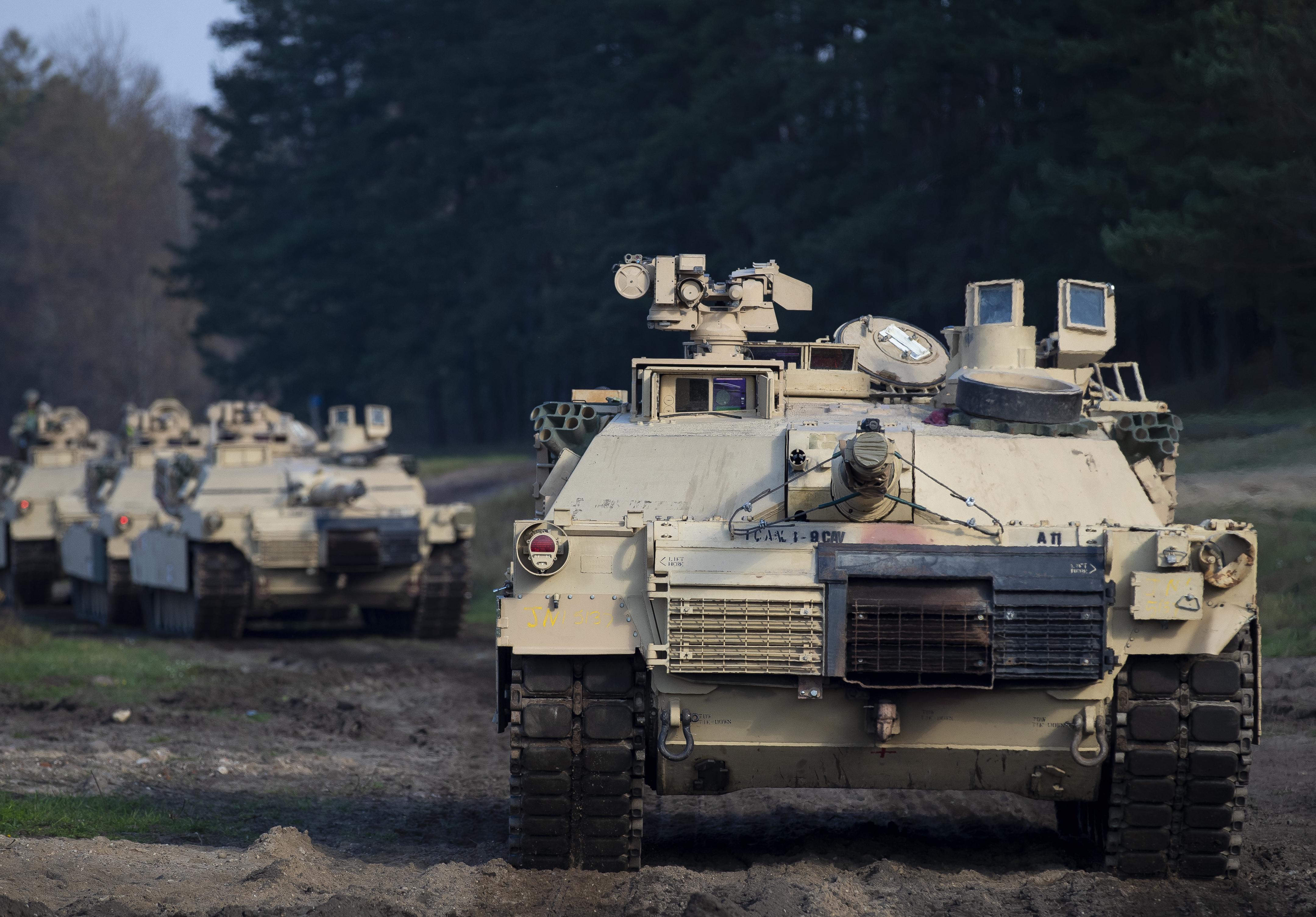دبابة من طراز M1A1 الأميركية التصميم