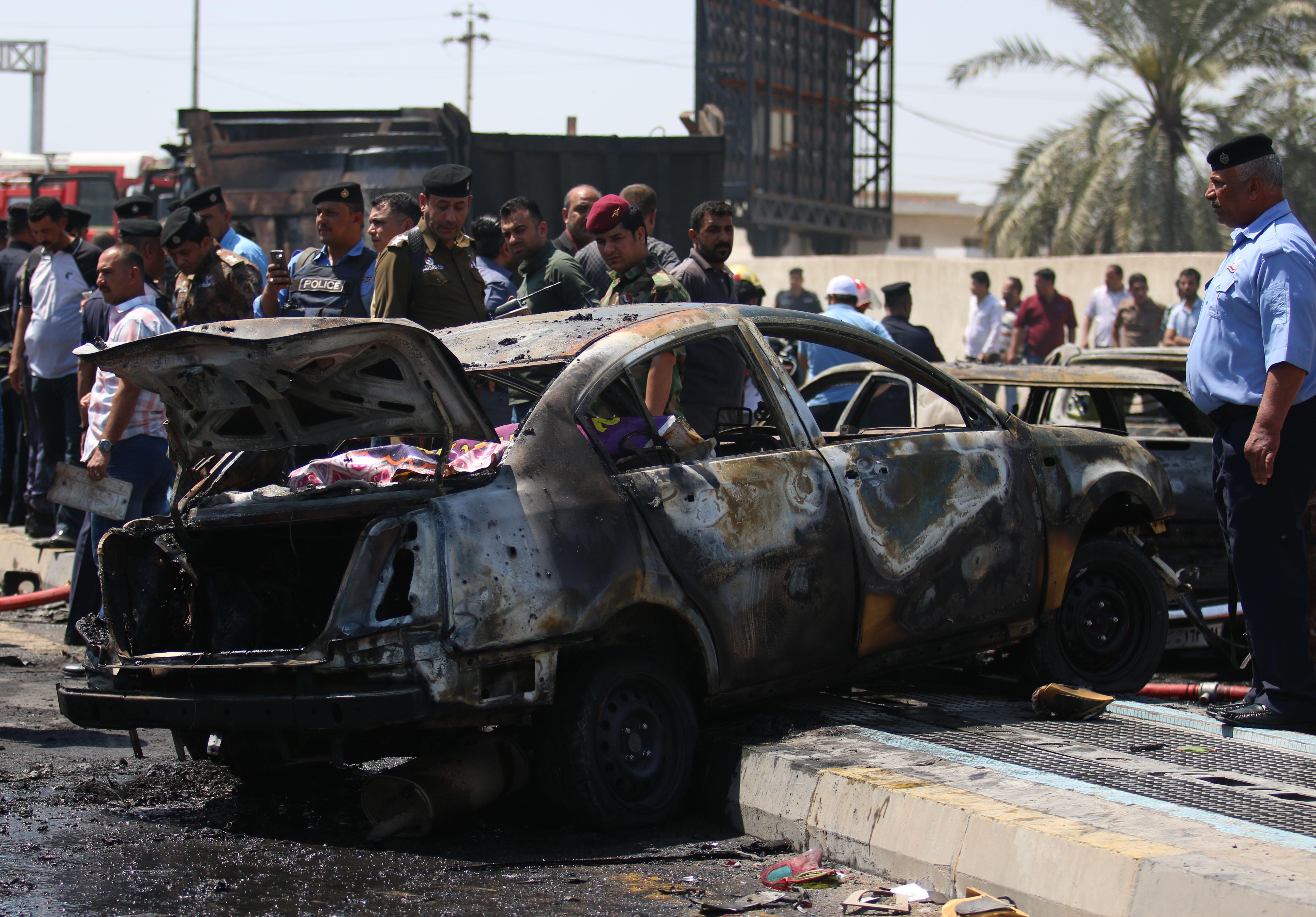 جانب من موقع التفجير في البصرة