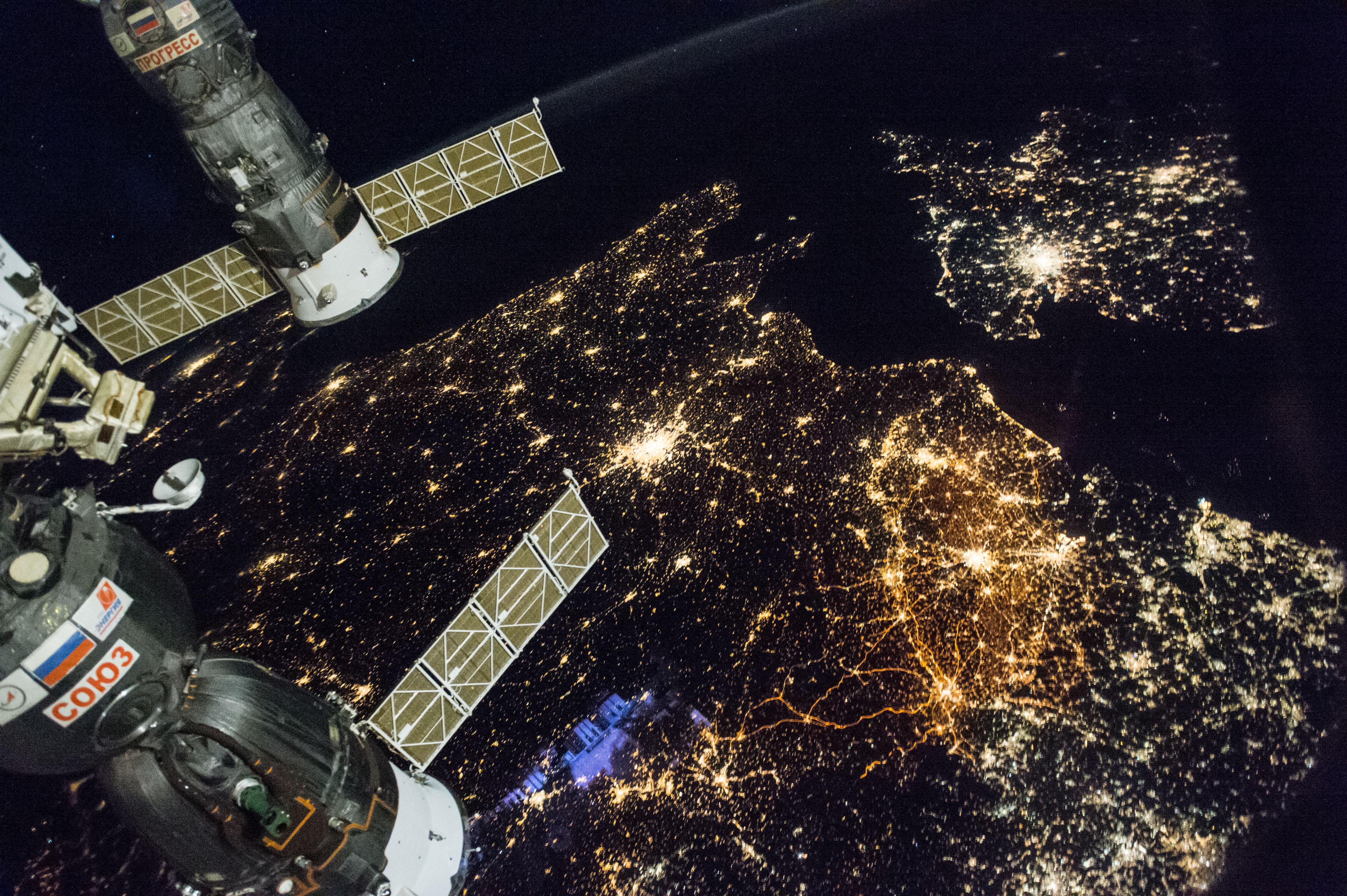 مناطق في شرق إوروبا ليلا