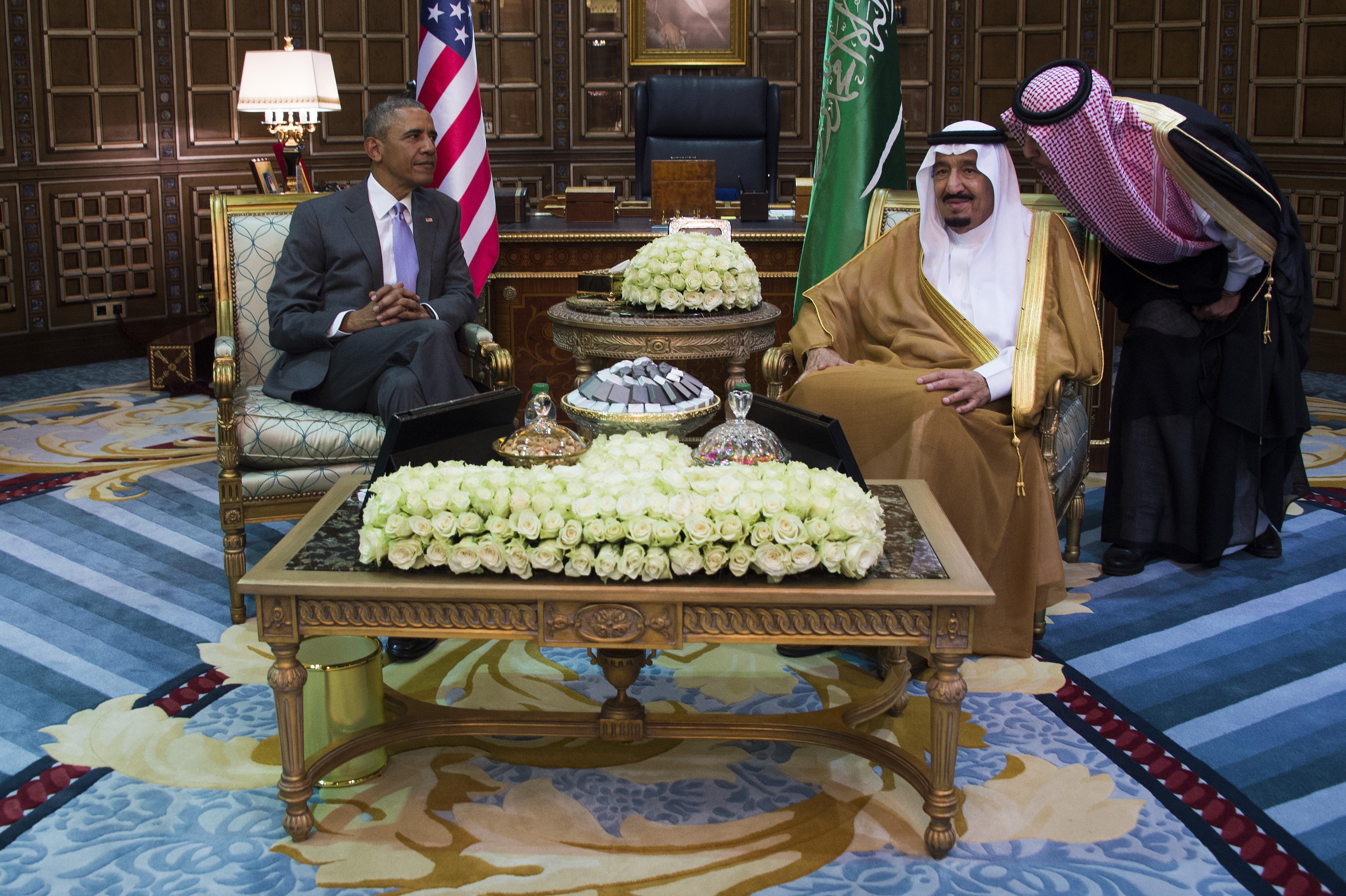 الملك سلمان يستقبل أوباما في الرياض