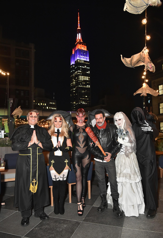 فنانون أميركيون خلال احتفالات نيويورك
