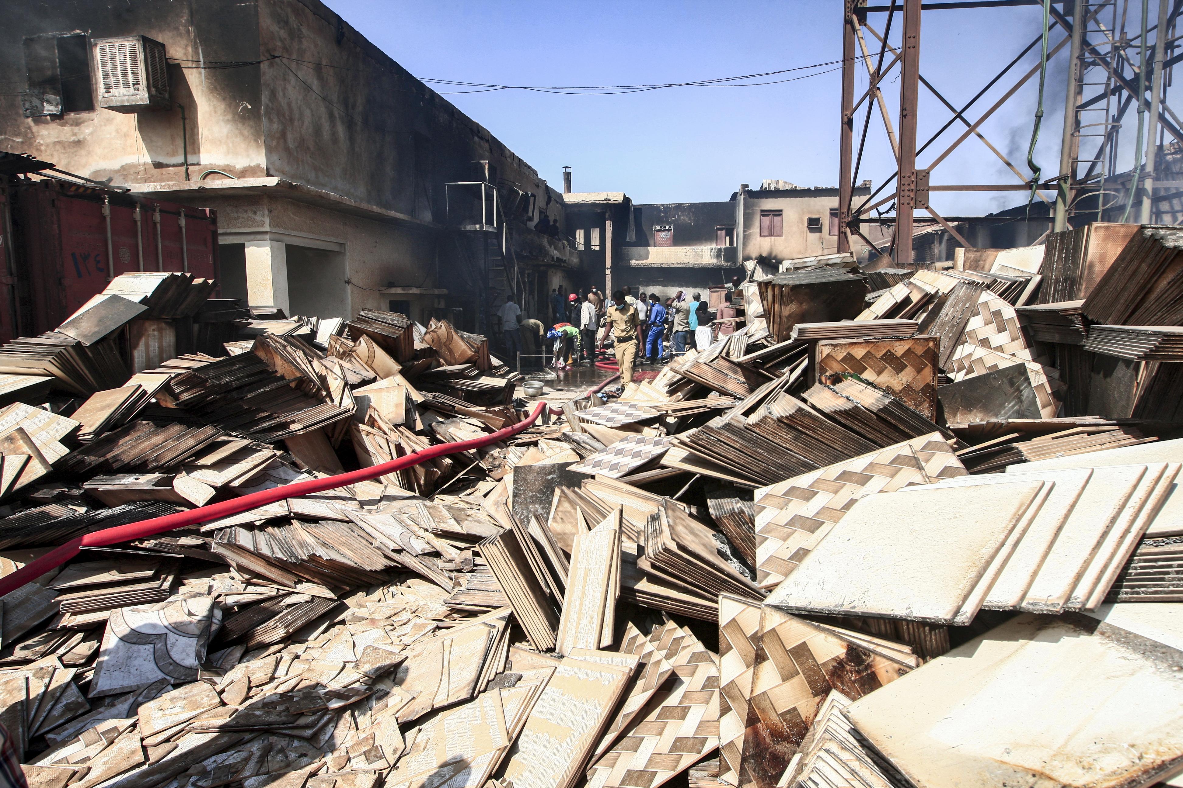 خسائر فادحة في الأرواح والممتلكات بعد حريق في المنطقة الصناعة في الخرطوم
