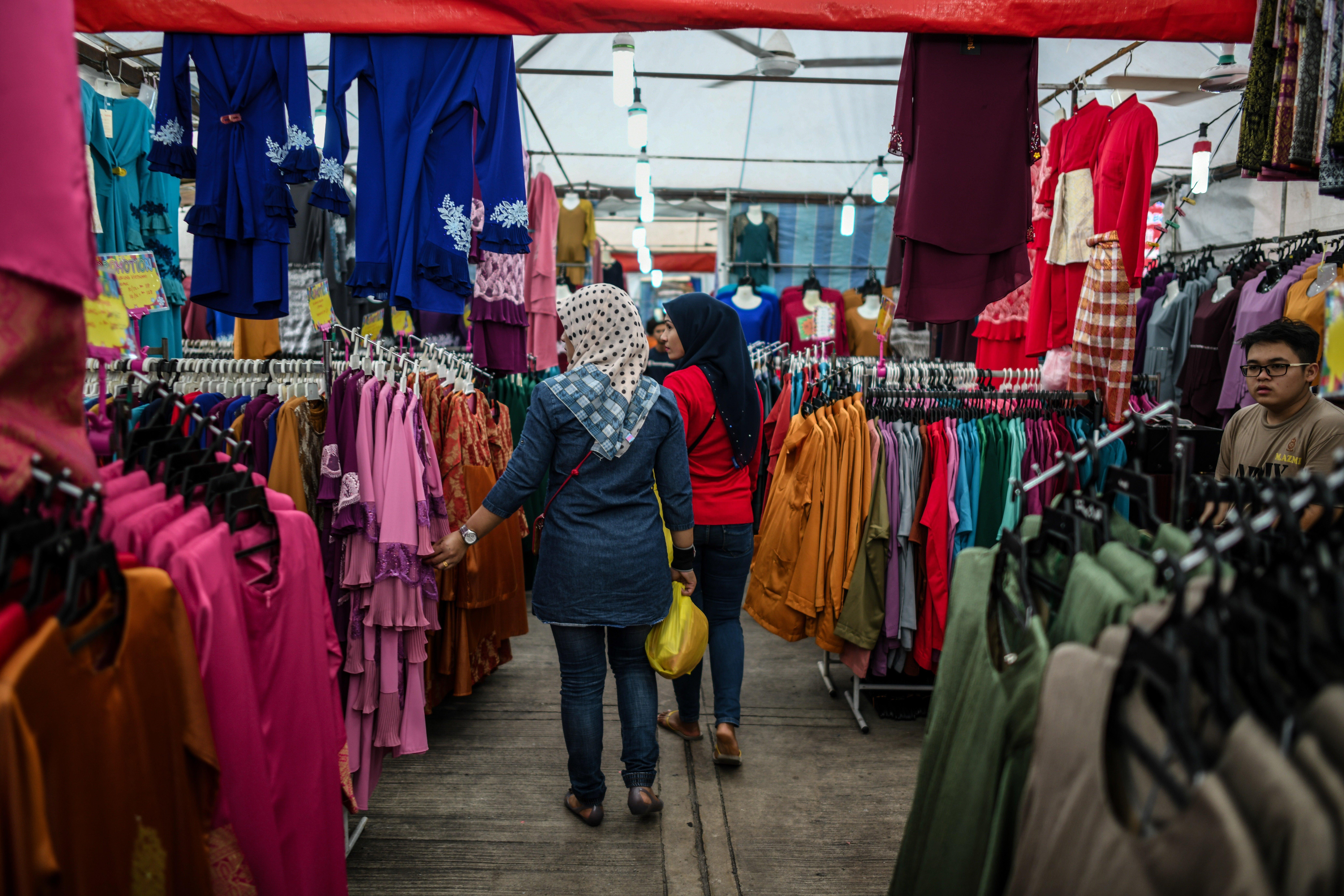 التسوق في محل تجاري بكوالا لامبور