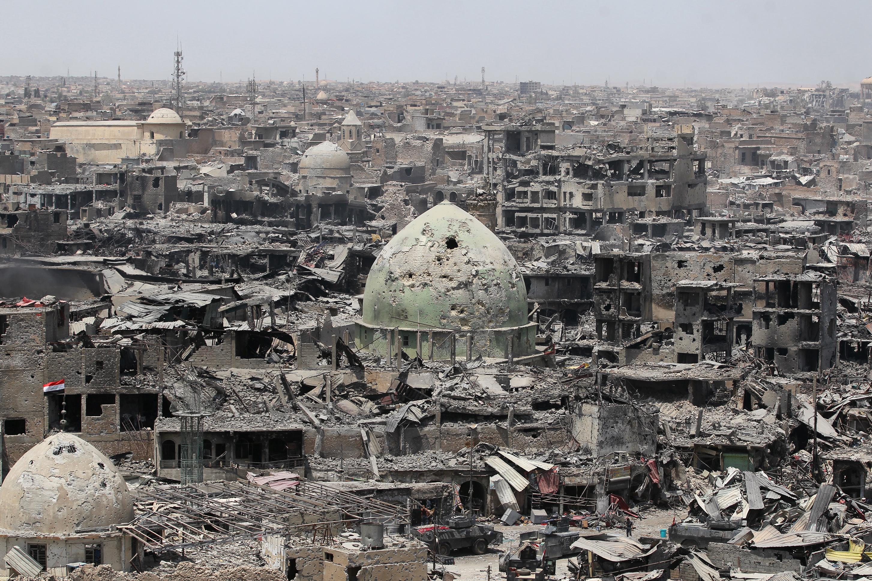 منظر عام للدمار الذي لحق بجامع النوري في الموصل