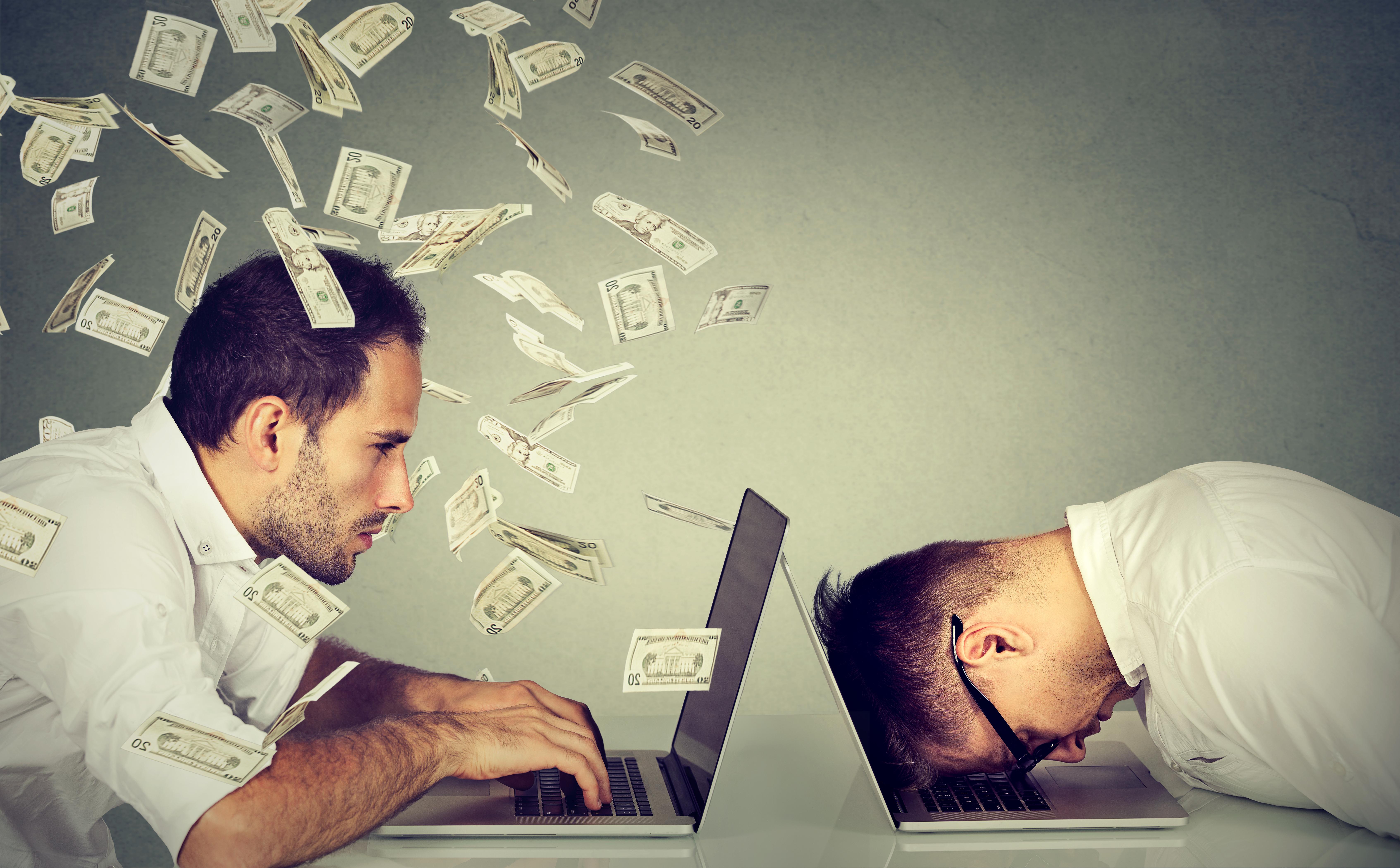 هل يجب أن تدفع لك فيسبوك؟. تعبيرية