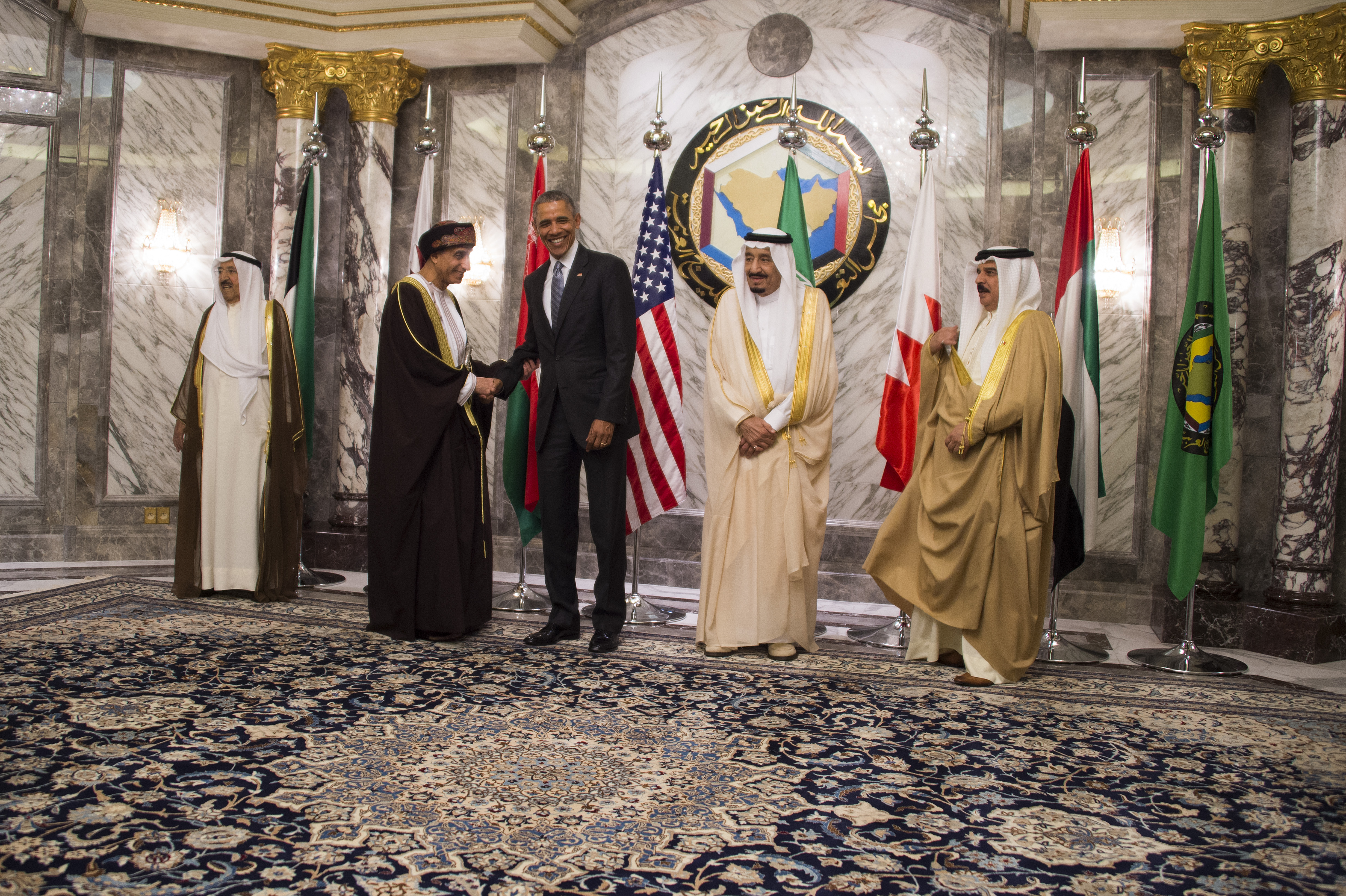 أوباما يتوسط قادة الخليج