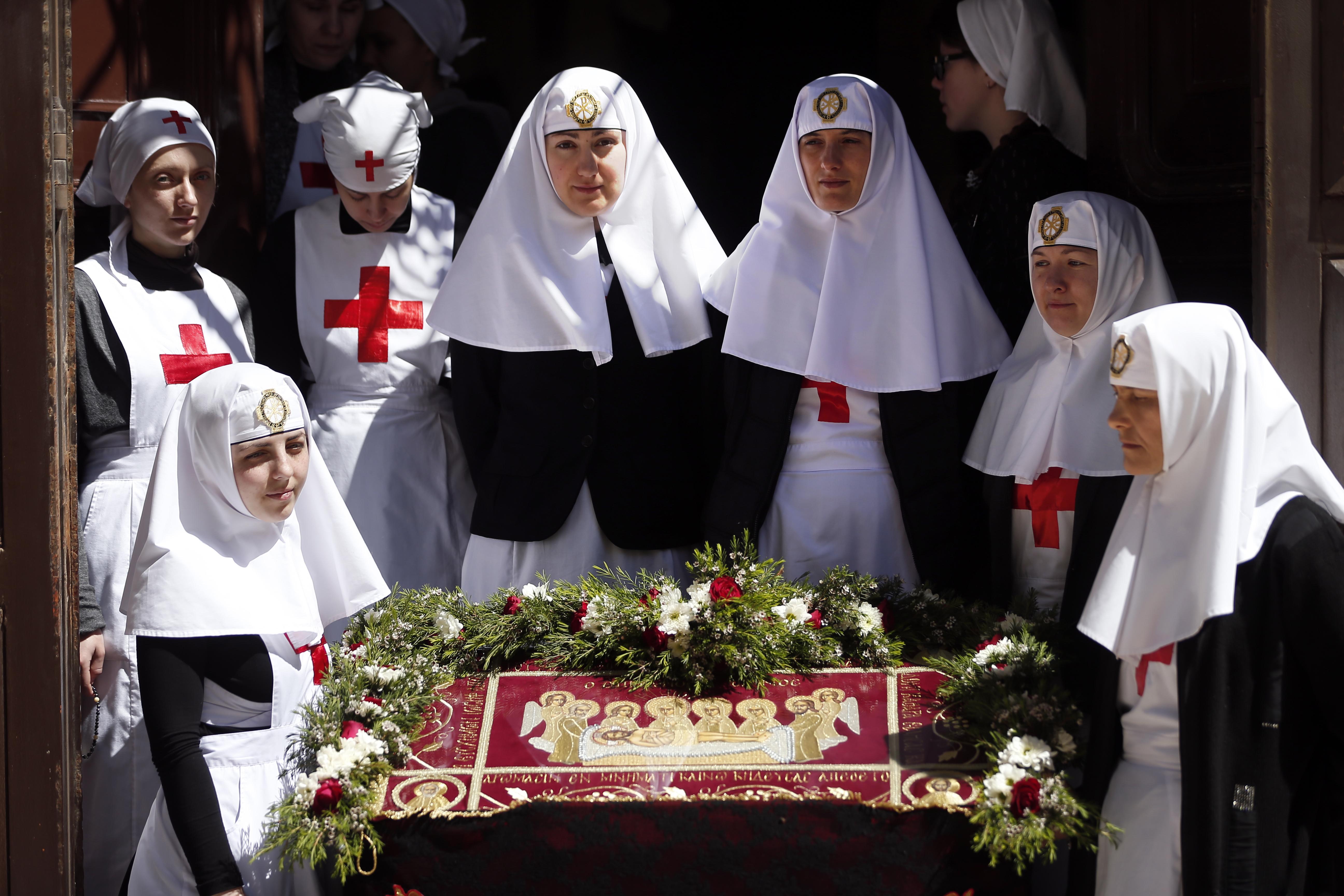 راهبات في مدينة القدس يوم الجمعة العظيمة.