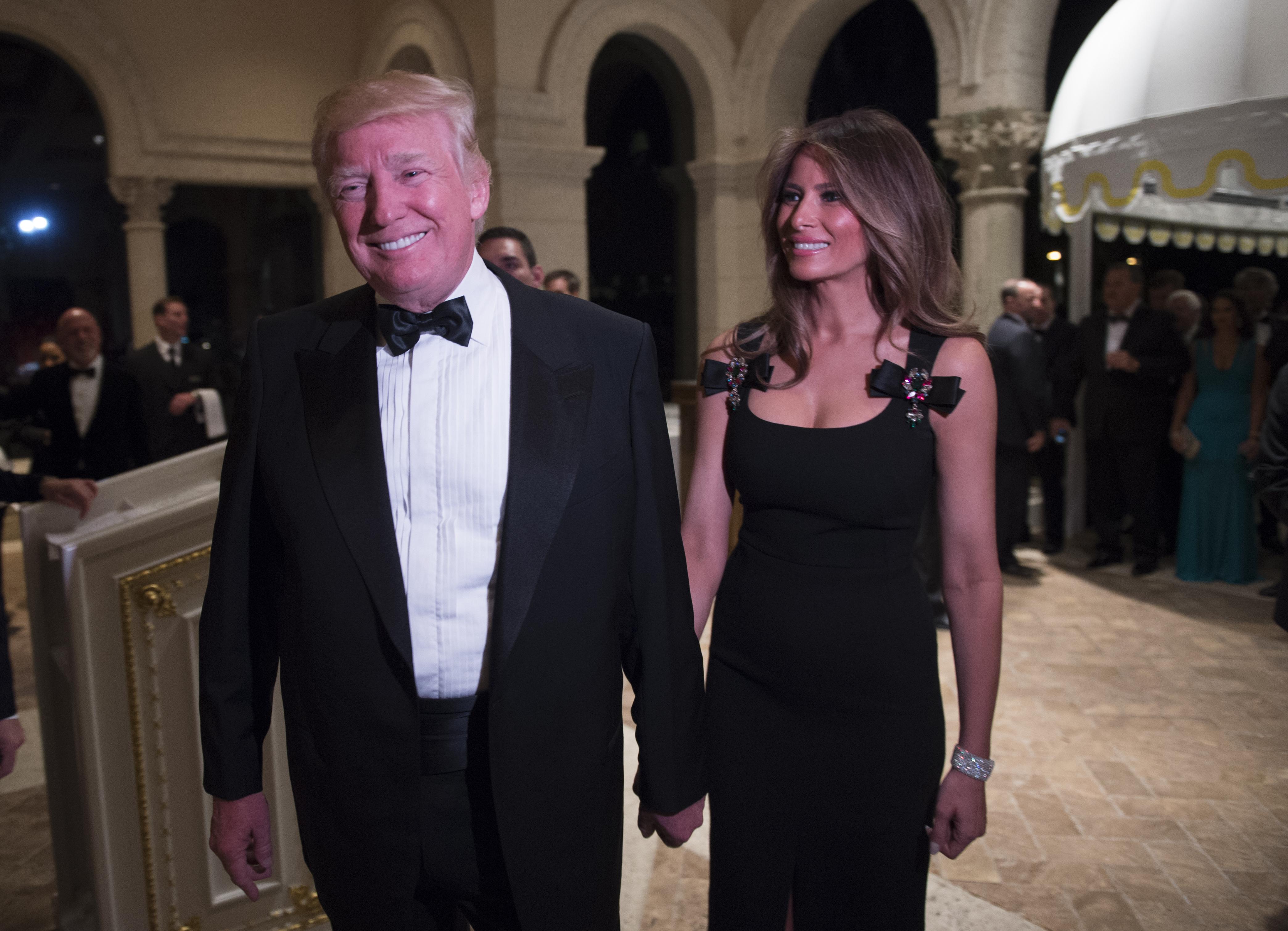 الرئيس المنتخب دونالد ترامب مع زوجته ميلانيا
