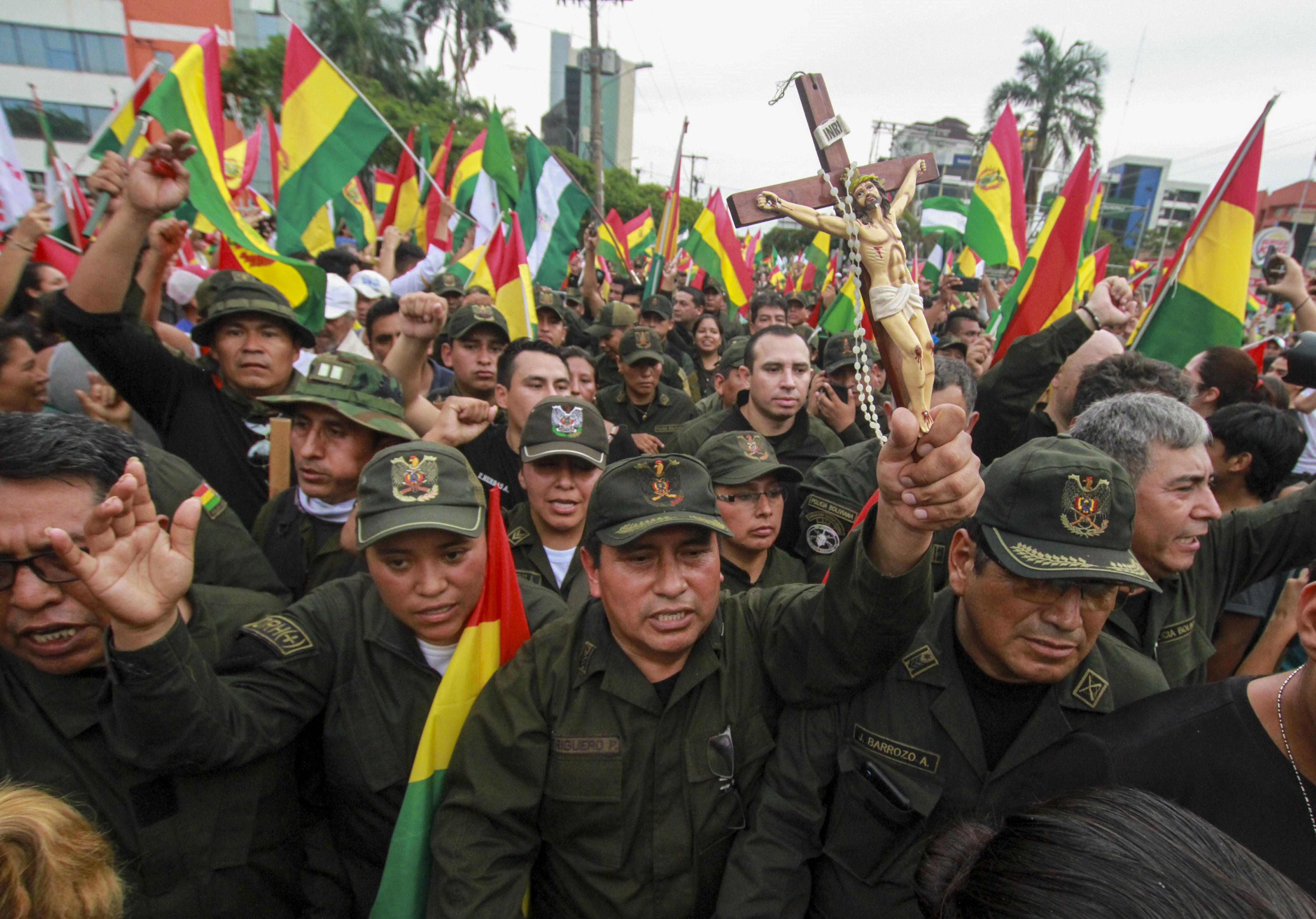 الجيش كان قد طالب موراليس بالتنحي لتحقيق مصلحة البلاد