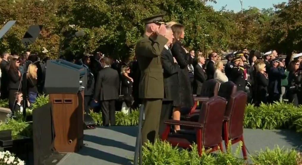 الرئيس دونالد ترامب والسيدة الأولى ميلانيا في مراسم إحياء ذكرى هجمات الـ11 من سبتمبر