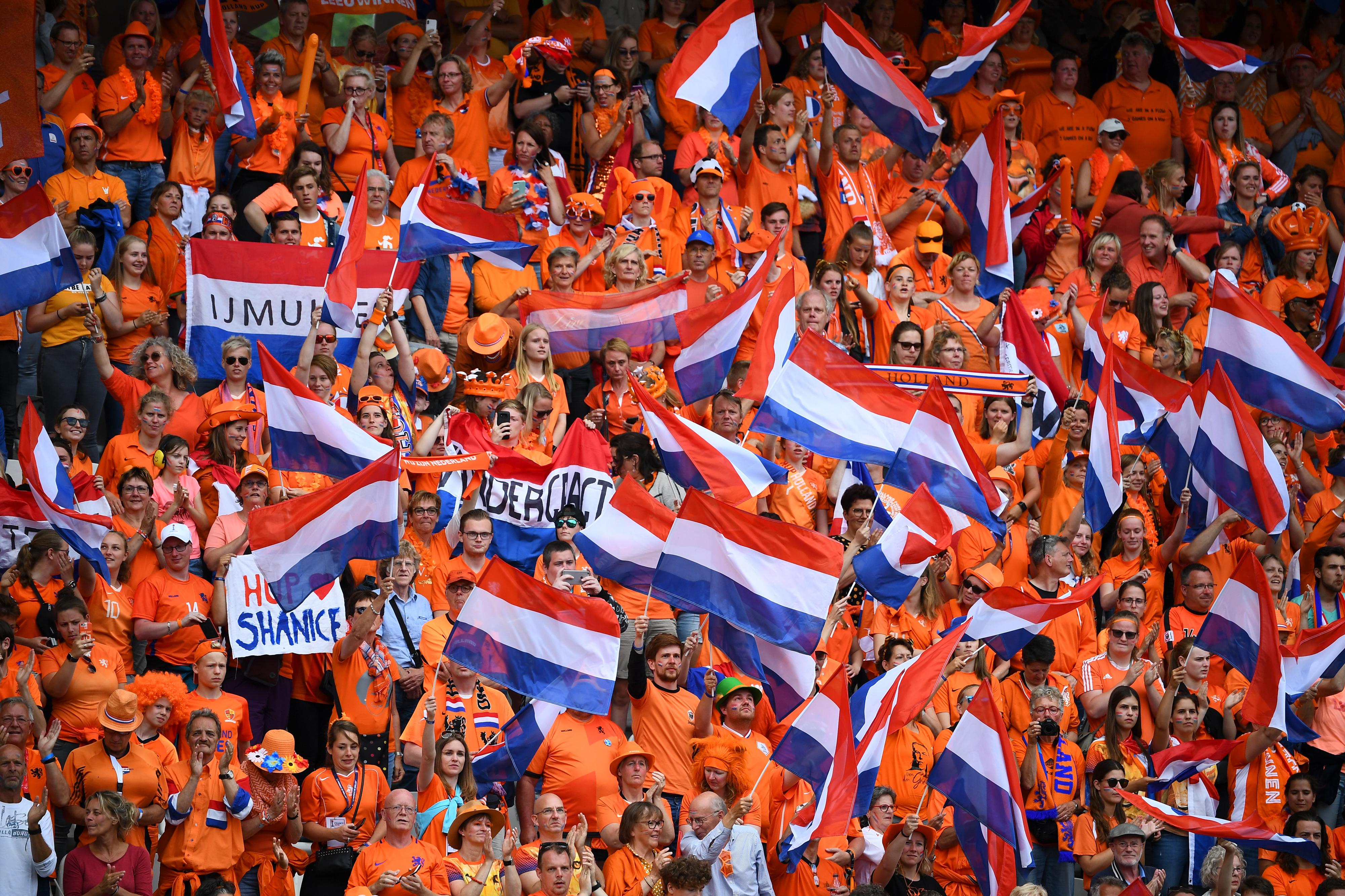جمهور كرة القدم الهولندية الشغوف