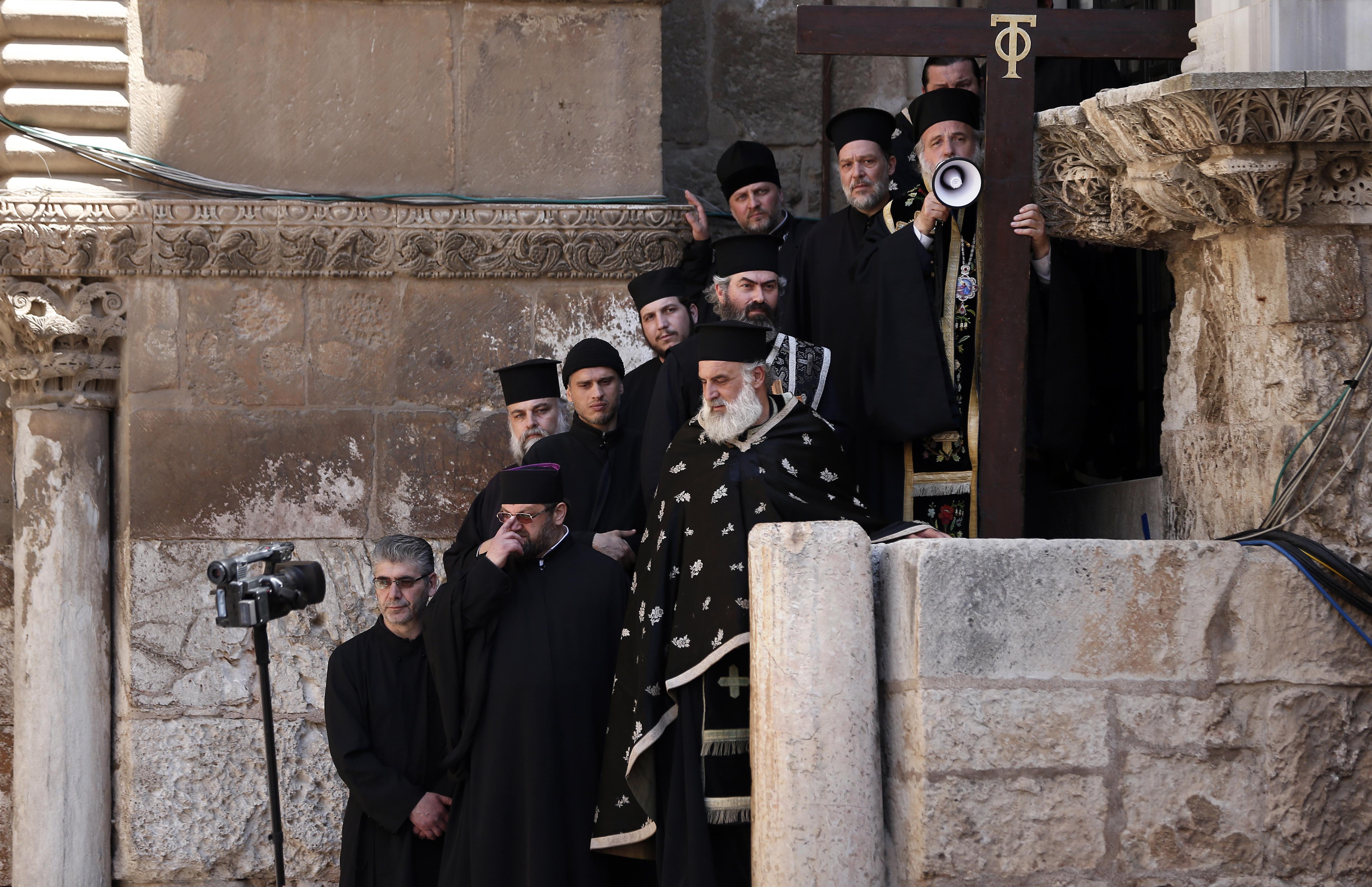 مسيحيون في القدس القديمة ضمن احتفالات عيد الفصح.