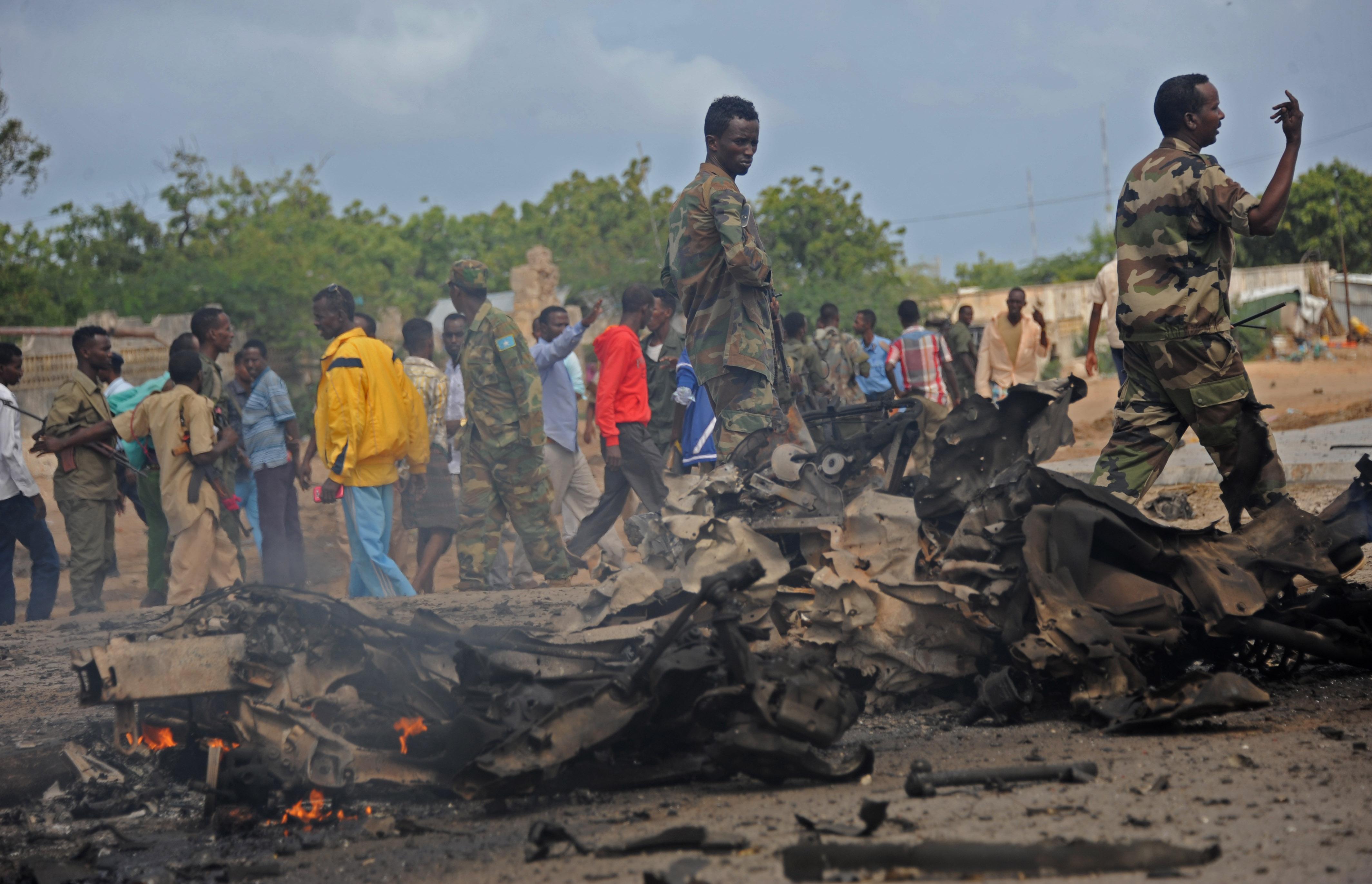صورة لآثار التفجيرات في الصومال والصورة التقطت قبل يومين