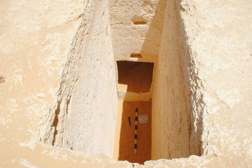 صورة من وزارة الآثار المصرية لإحدى المقابر المكتشفة