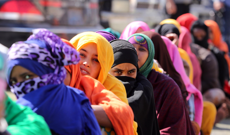 مهاجرات غير شرعيات من افريقيا جنوب الصحراء بعد توقيفهن في تاجوراء شرقي طرابلس