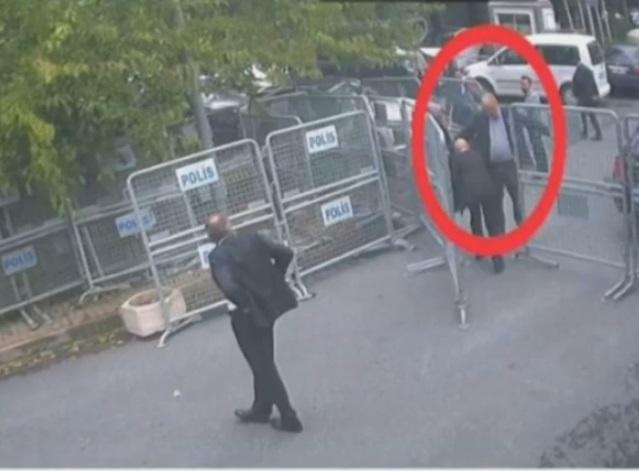 تفتيش خاشقجي قبل دخوله مبنى القنصلية السعودية في اسطنبول