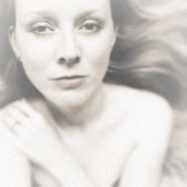 صورة التقطتها المصورة سوزان تاتل لنفسها وعدلتها باستخدام تطبيقات Camera+ و VintageFX و VSCO Cam