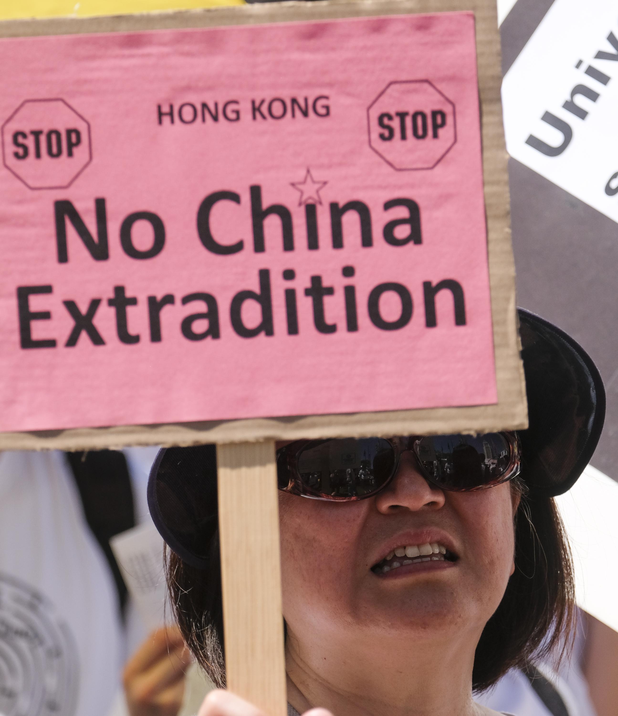من التظاهرات ضد مشروع القانون الجديد في هونغ كونغ