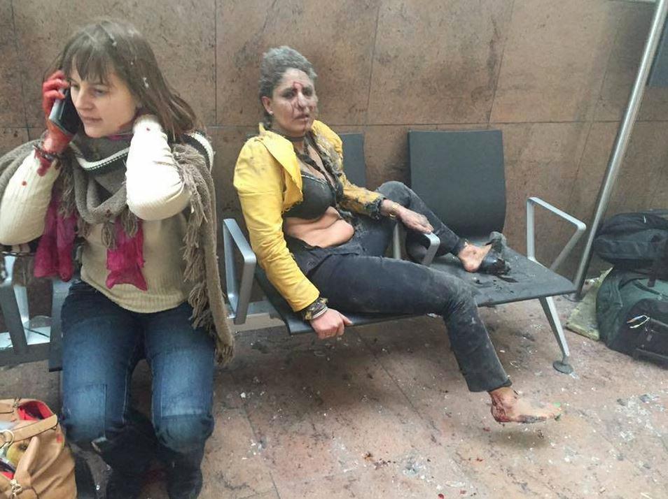 المضيفة الهندية خلال لحظة هجوم بروكسل