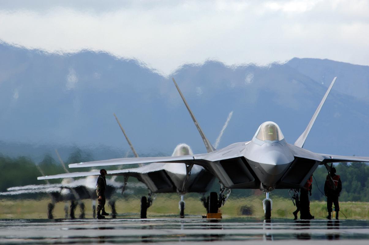 مقاتلات من طراز F-22