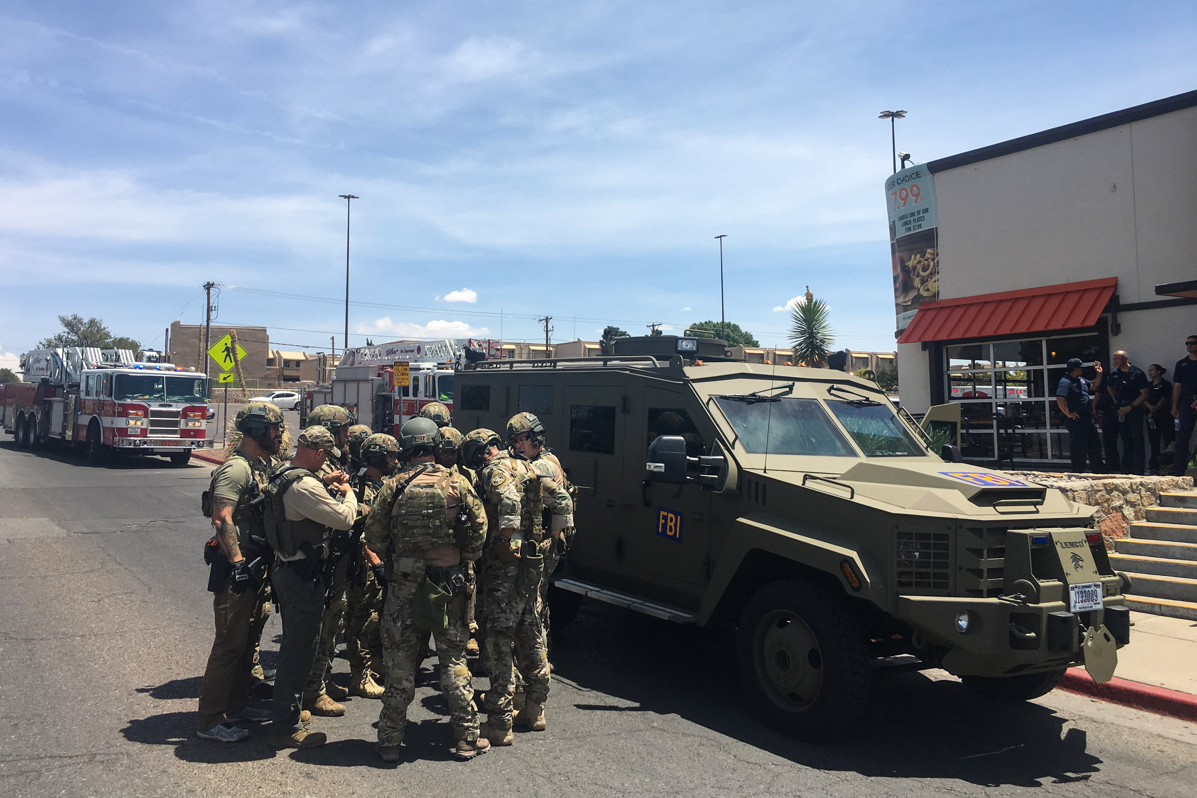 الشرطة في موقع إطلاق النار في الباسو