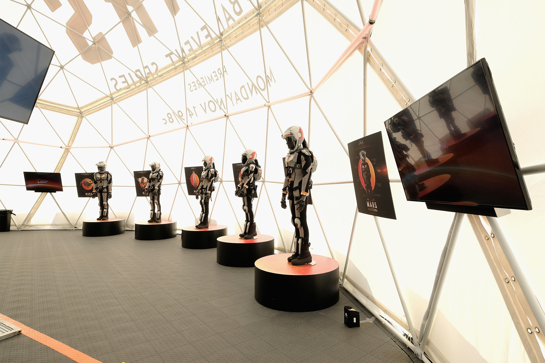 مجموعة روبوتات في معرض في نيويورك
