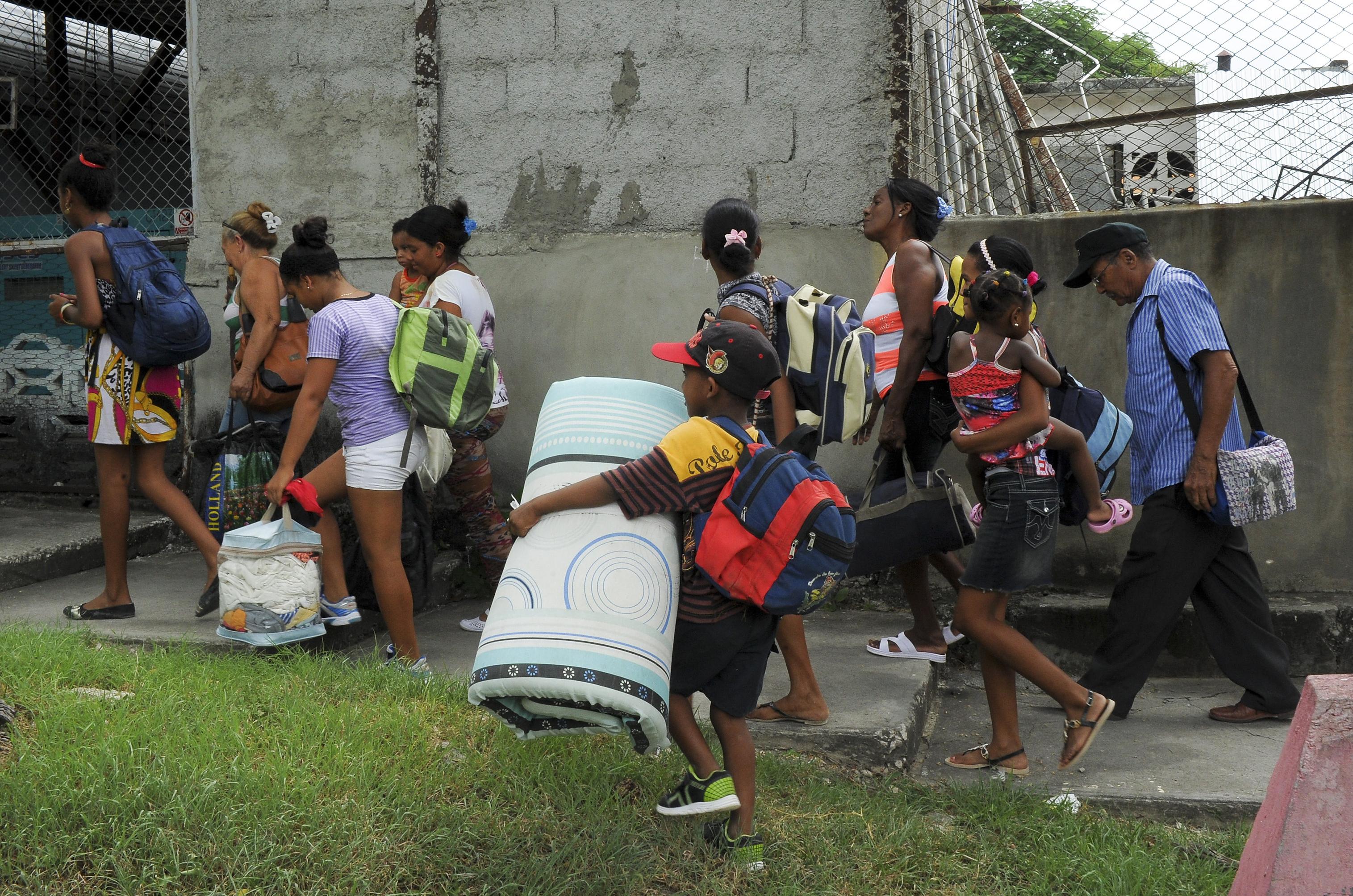 سكان هايتي قبل مجيء الإعصار