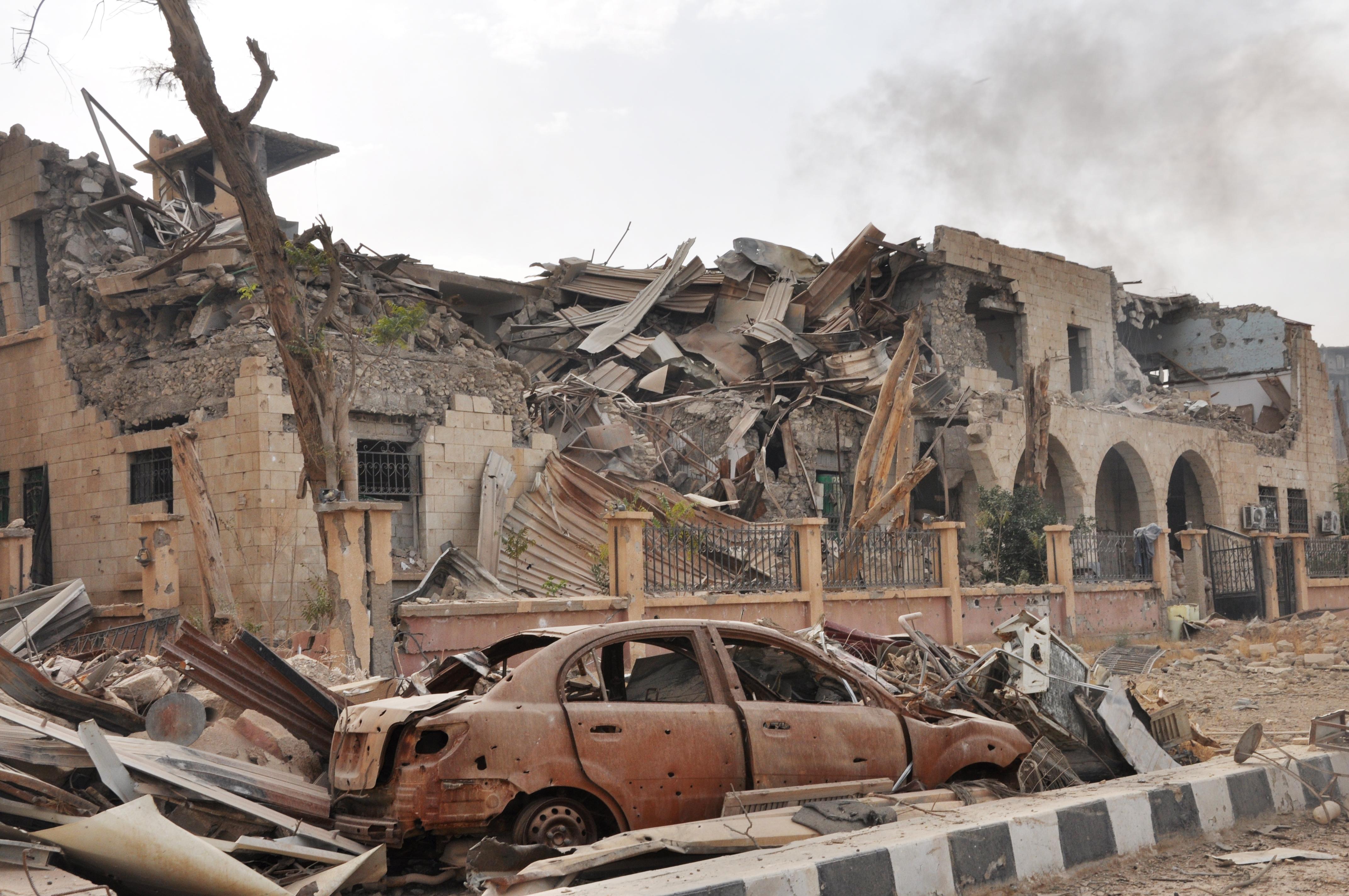 صورة تظهر حجم الأضرار في دير الزور
