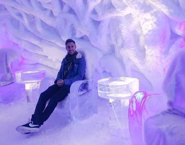 في مطعم الثلج بالنرويج
