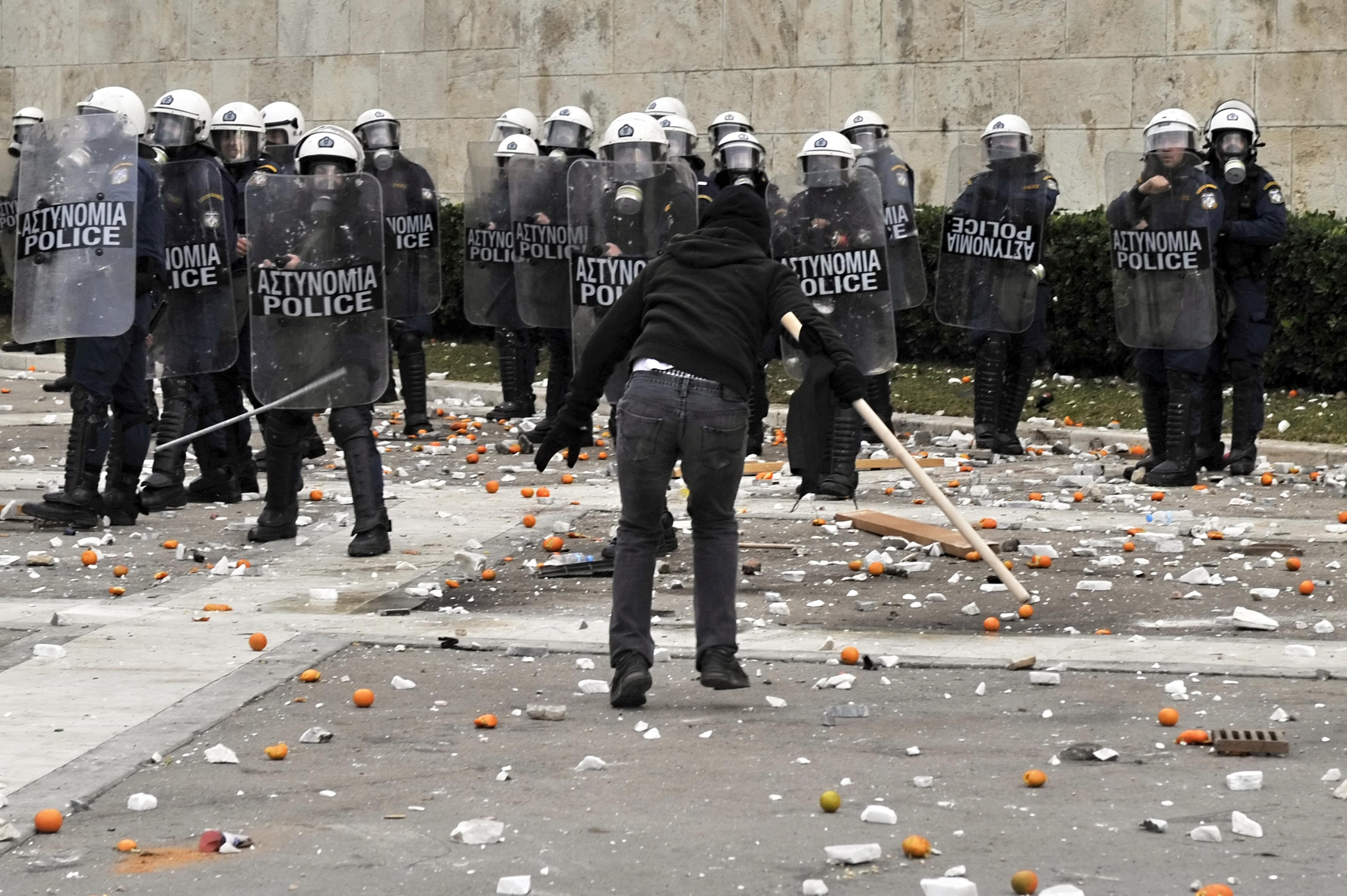 شهدت اليونان احتجاجات واسعة بعد فرض سياسة التقشف