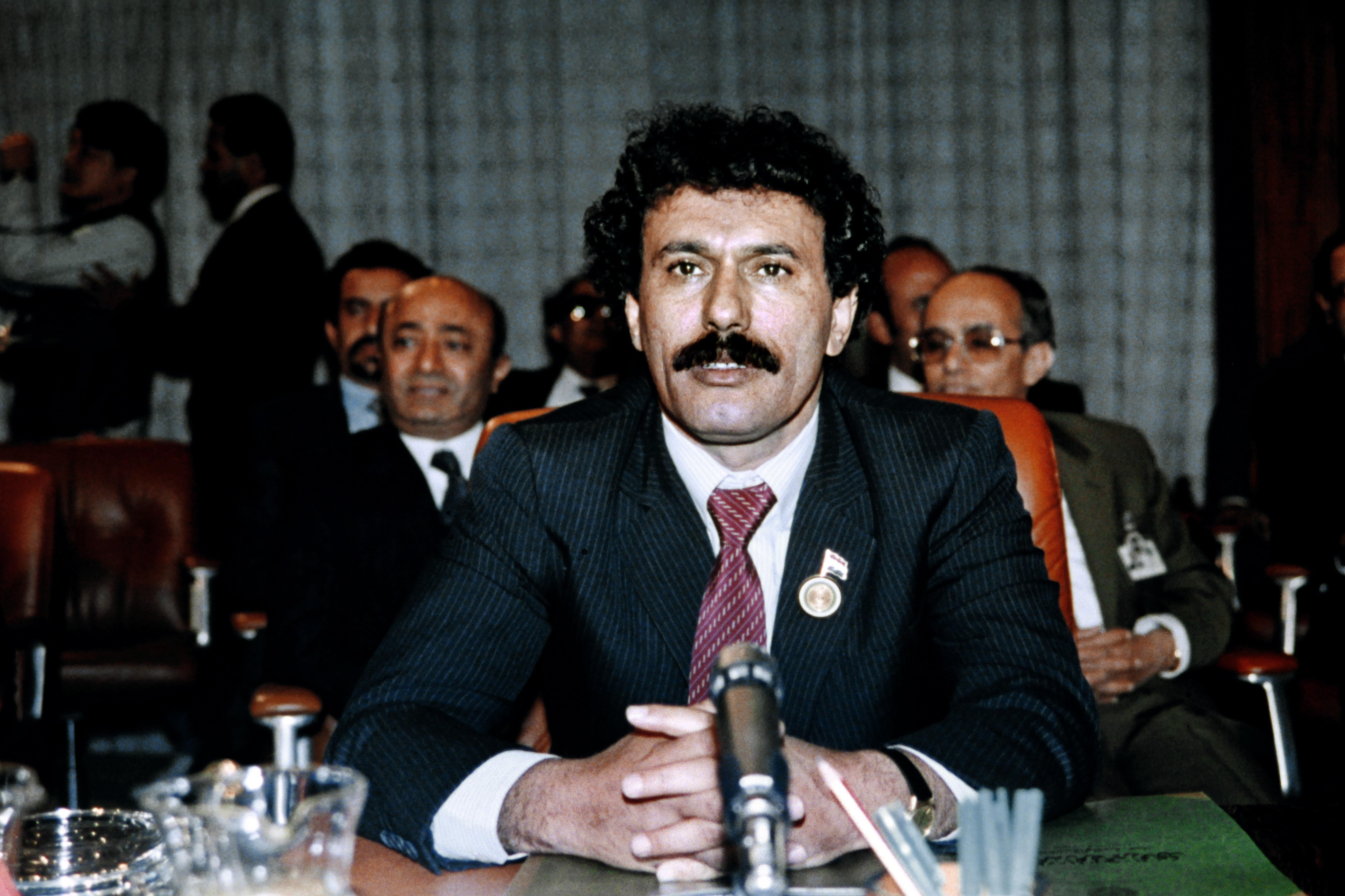 الرئيس اليمني علي عبد الله صالح خلال القمة العربية الطارئة عام 1987