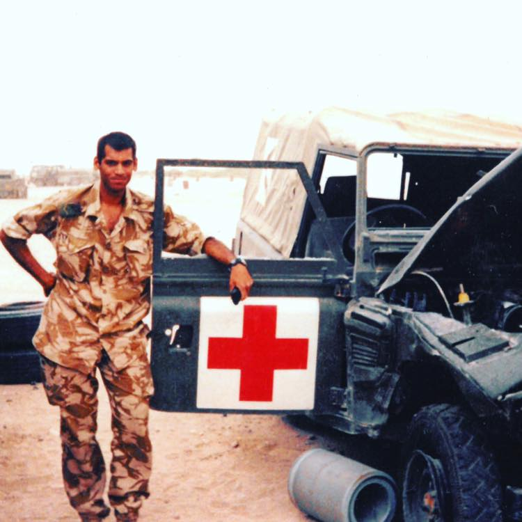 عدنان سروار عندما كان جندي في العراق