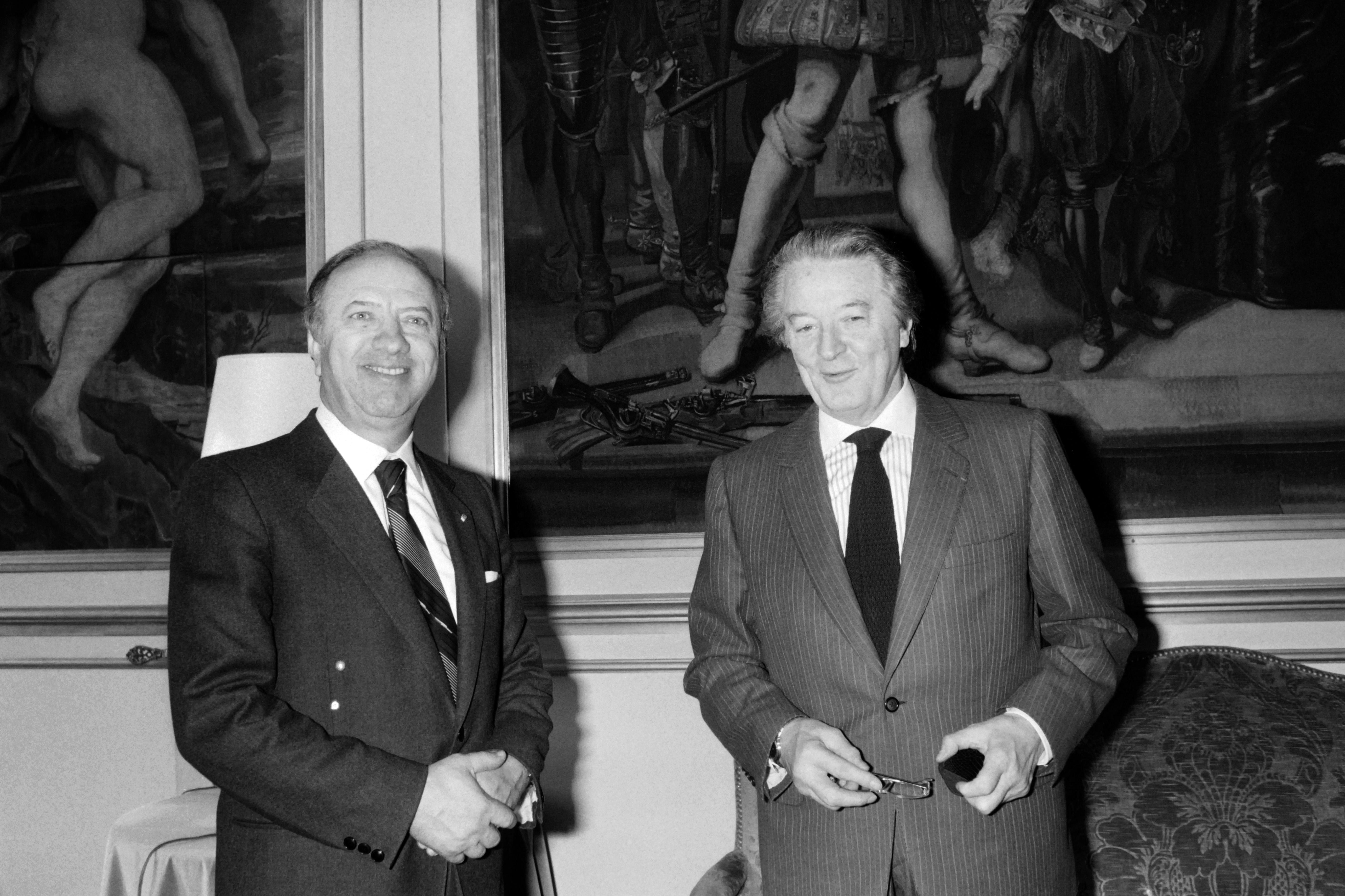 السبسي ونظيره وزير الخارجية الفرنسي رونالد دوماس في عام 1985
