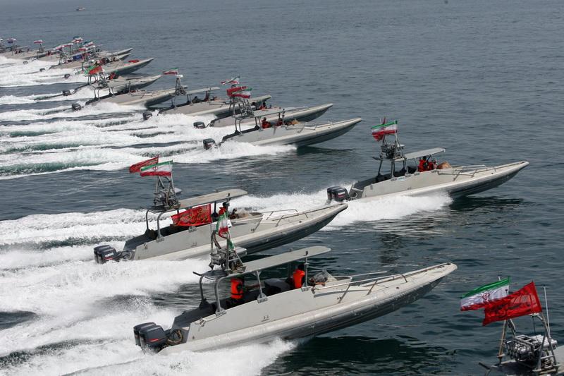 قوارب تابعة للحرس الثوري الإيراني