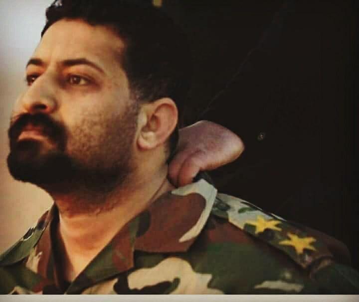 الملازم الأول أبوبكر قبيل عملية قتله على يد مسلحي داعش