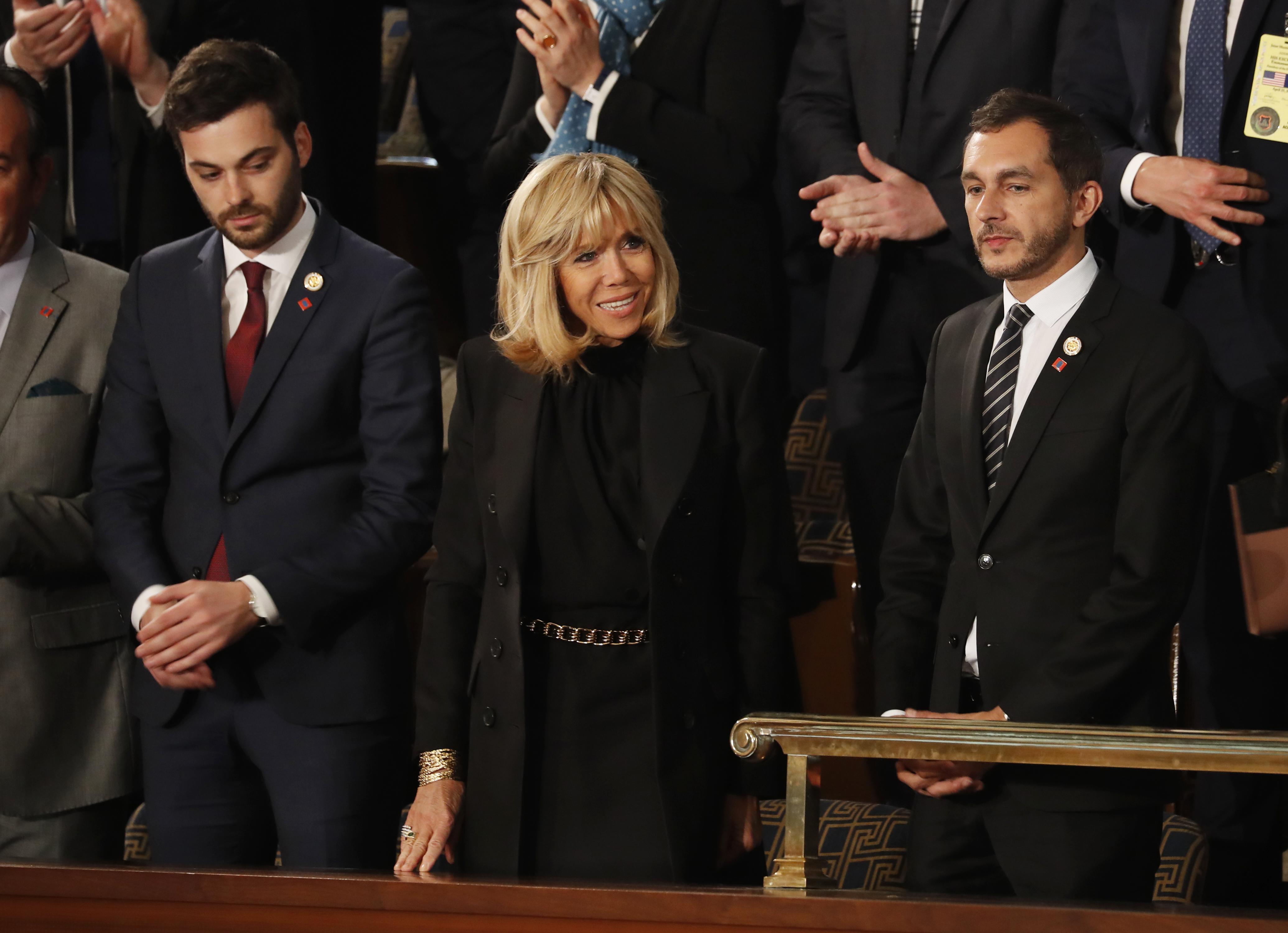 زوجة ماكرون بريجيت في الكونغرس
