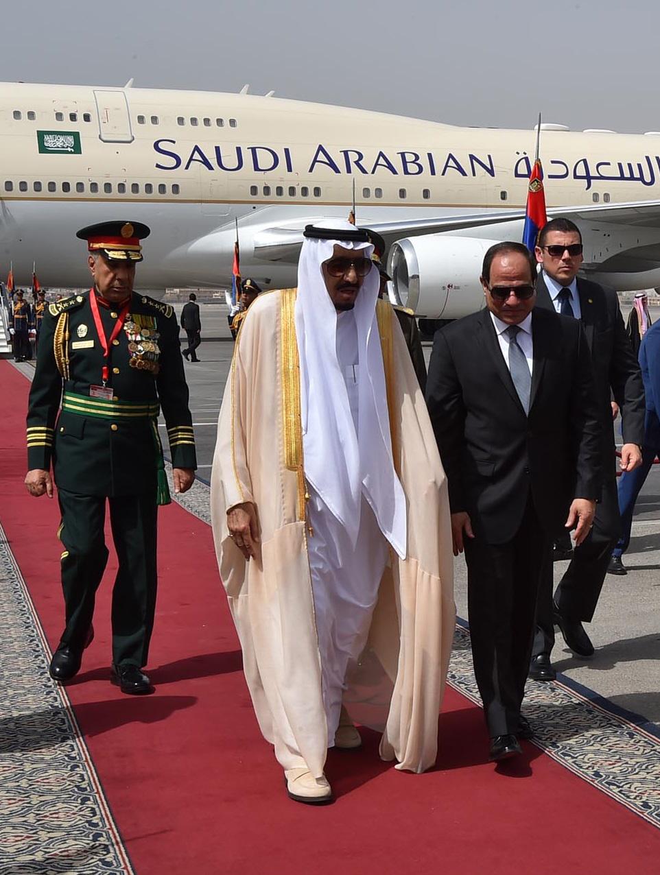 السيسي كان في استقبال العاهل السعودي في مطار القاهرة