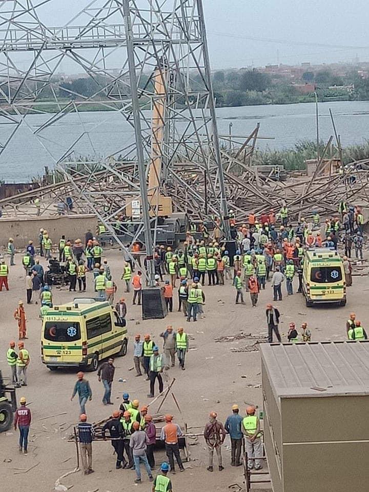 برج الكهرباء سقط في منطقة الوراق بمحافظة الجيزة المصرية