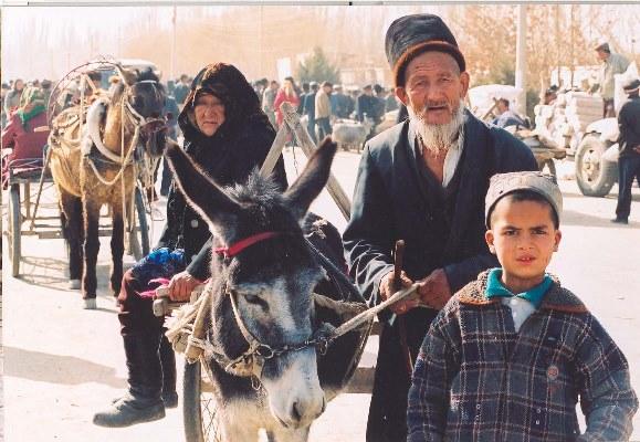 مسنّ من الإيغور في كاشغر إحدى أشهر مدن تركستان الشرقية