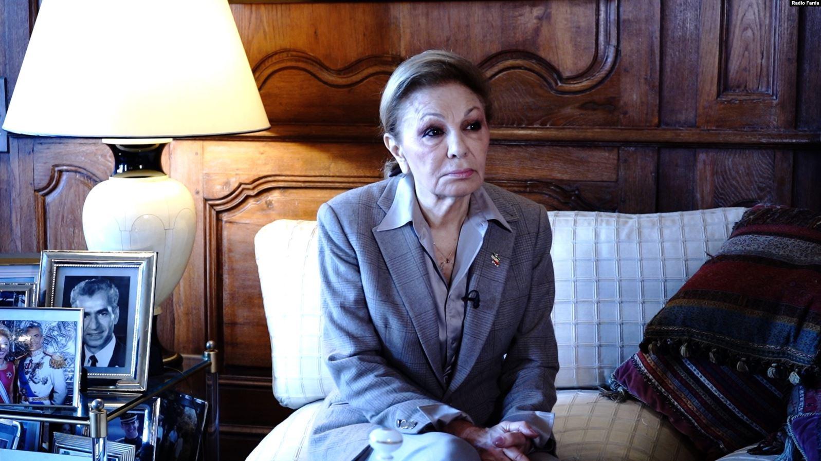 ملكة إيران السابقة فرح بهلوي