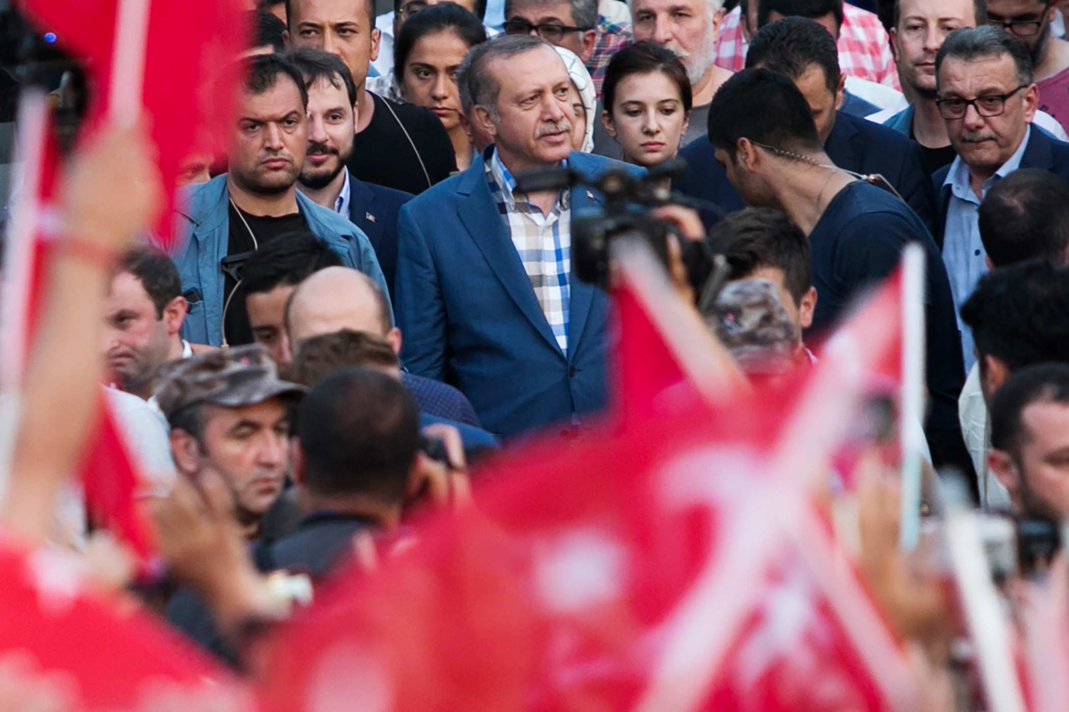 أردوغان يتحدث إلى مؤيديه في اسطنبول