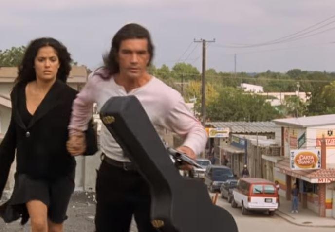 """لقطة من فيلم """"ديسبيرادو"""" 1995"""