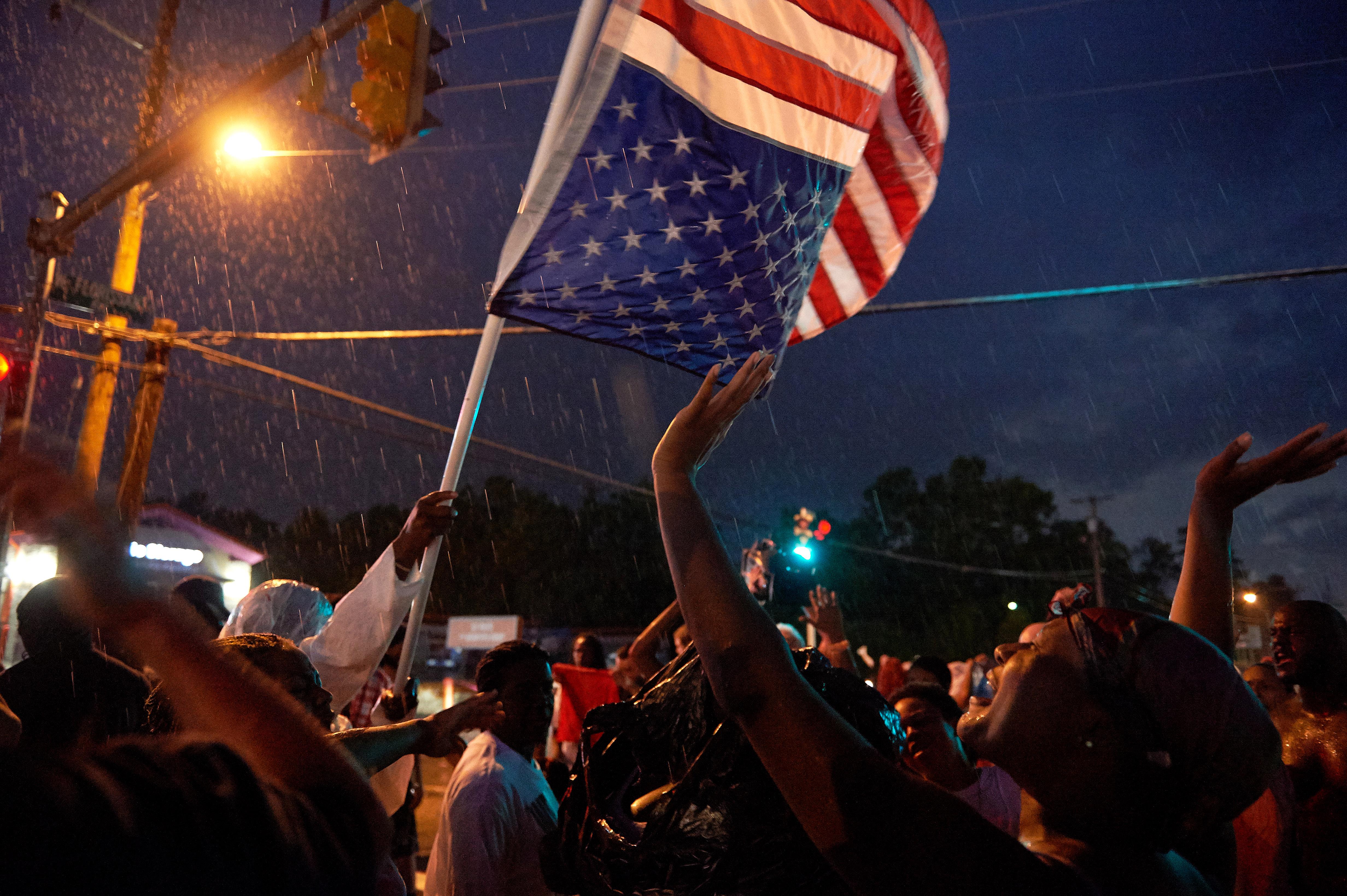 متظاهرون في فيرغسون